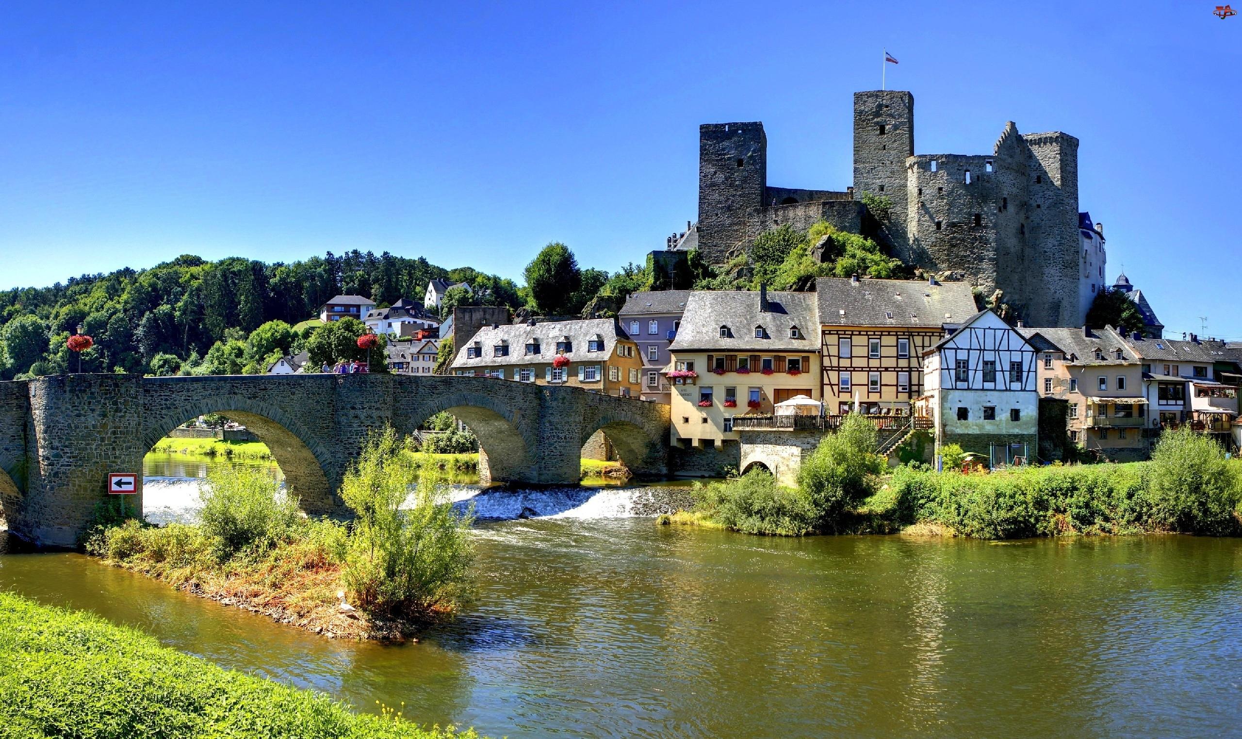 Rzeka, Domy, Most, Zamek