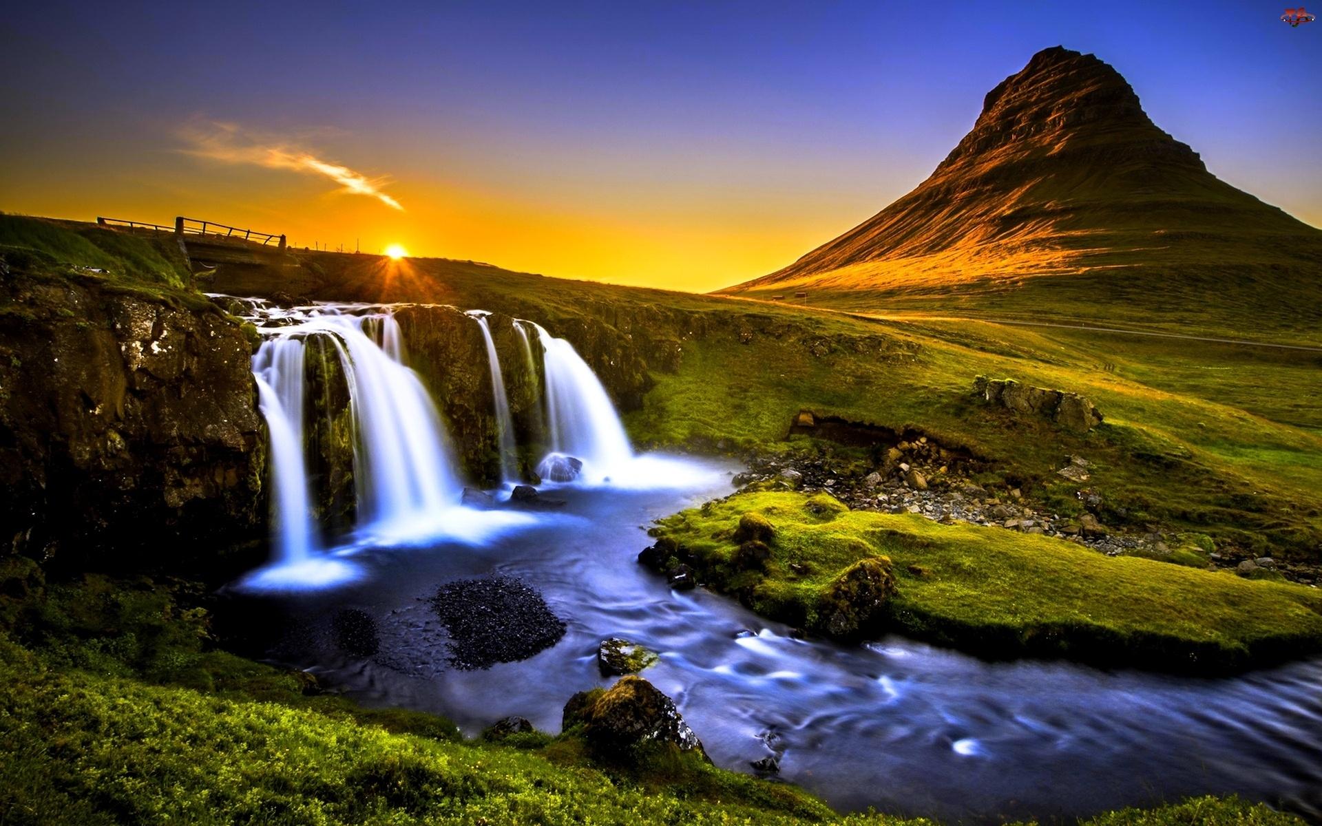 Zachód słońca , Rzeka, Góra Kirkjufell, Islandia, Góry, Wodospad Kirkjufellsfoss, Kamienie