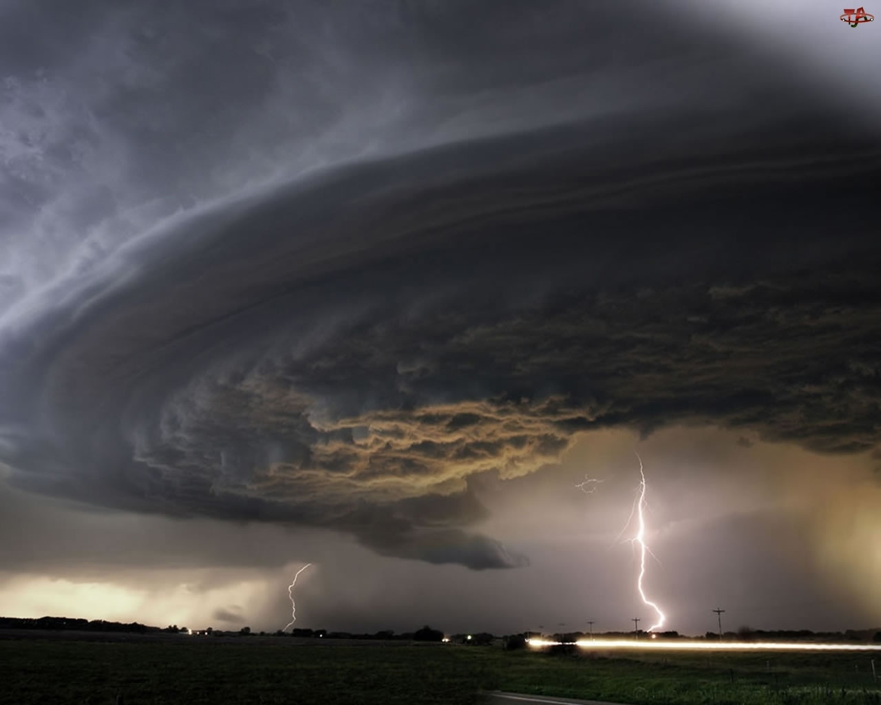 Niebo, Tornado, Chmury, Błyskawice