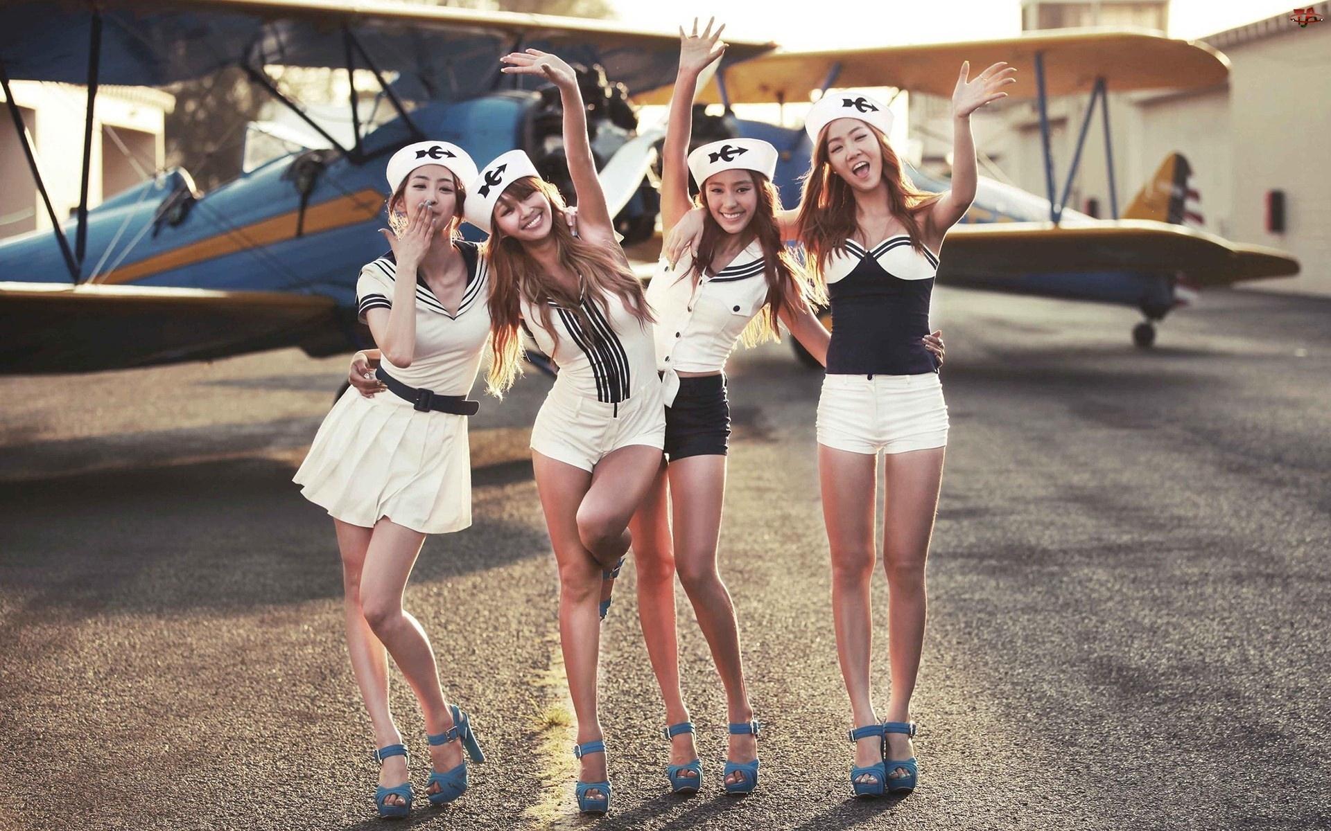 Samolot, Modelki, Stewardesy