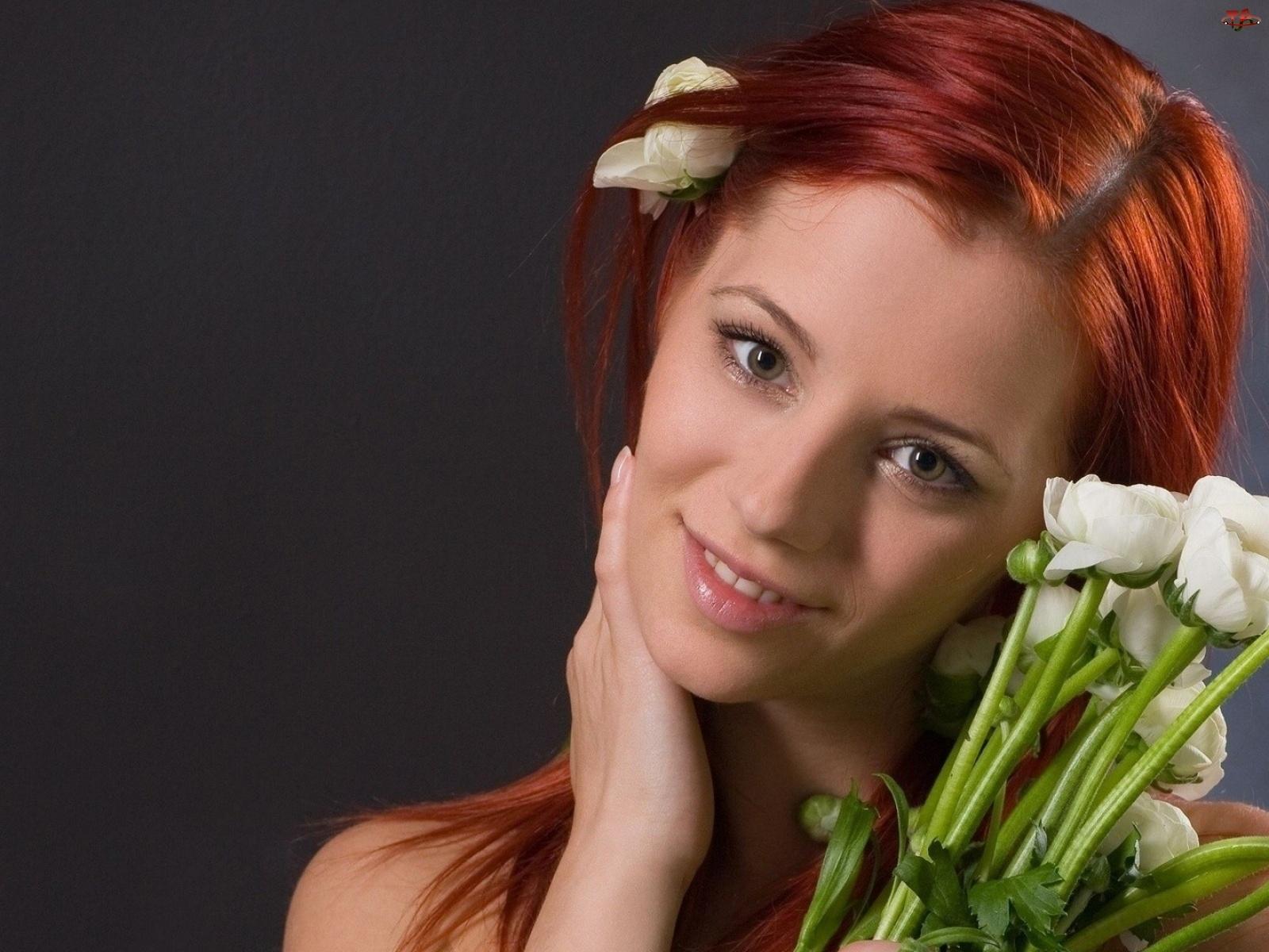 Rudowłosa, Kwiaty, Dziewczyna, Uśmiech