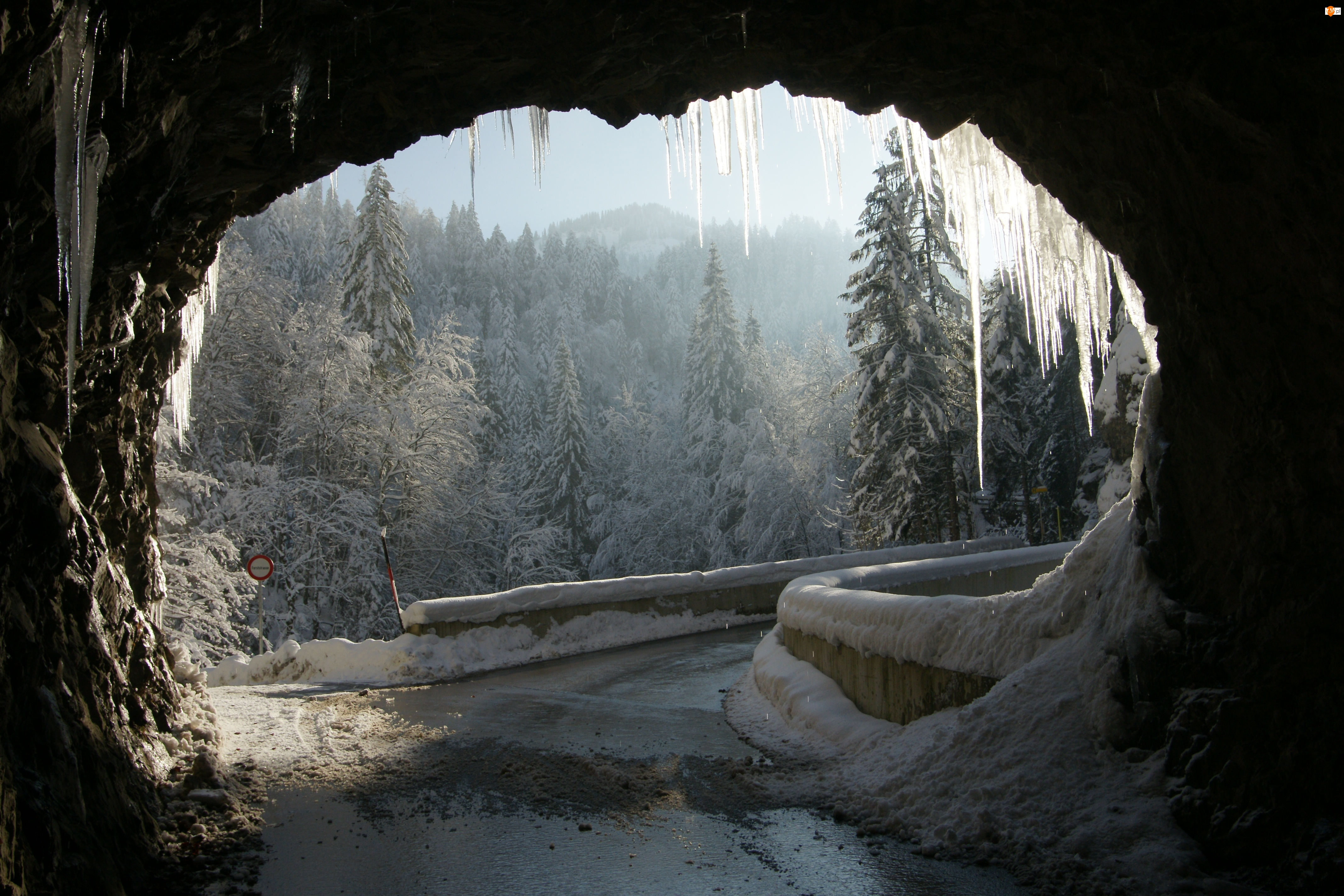 Zima, Sople, Droga, Tunel