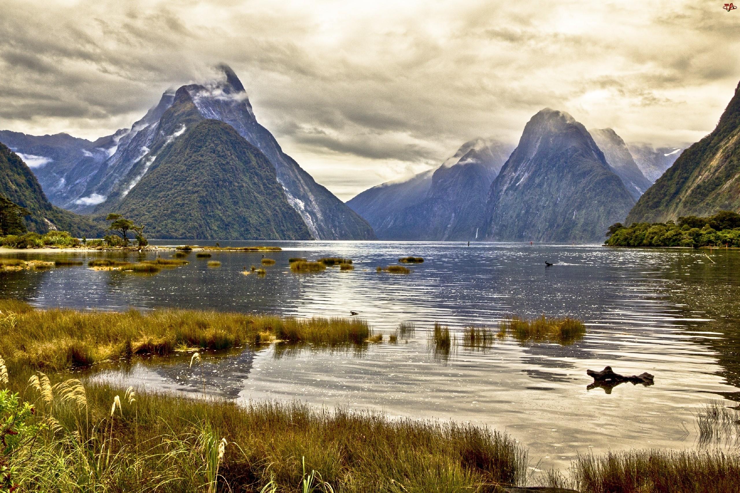 Nowa Zelandia, Jezioro, Chmury, Góry, Milford Sound