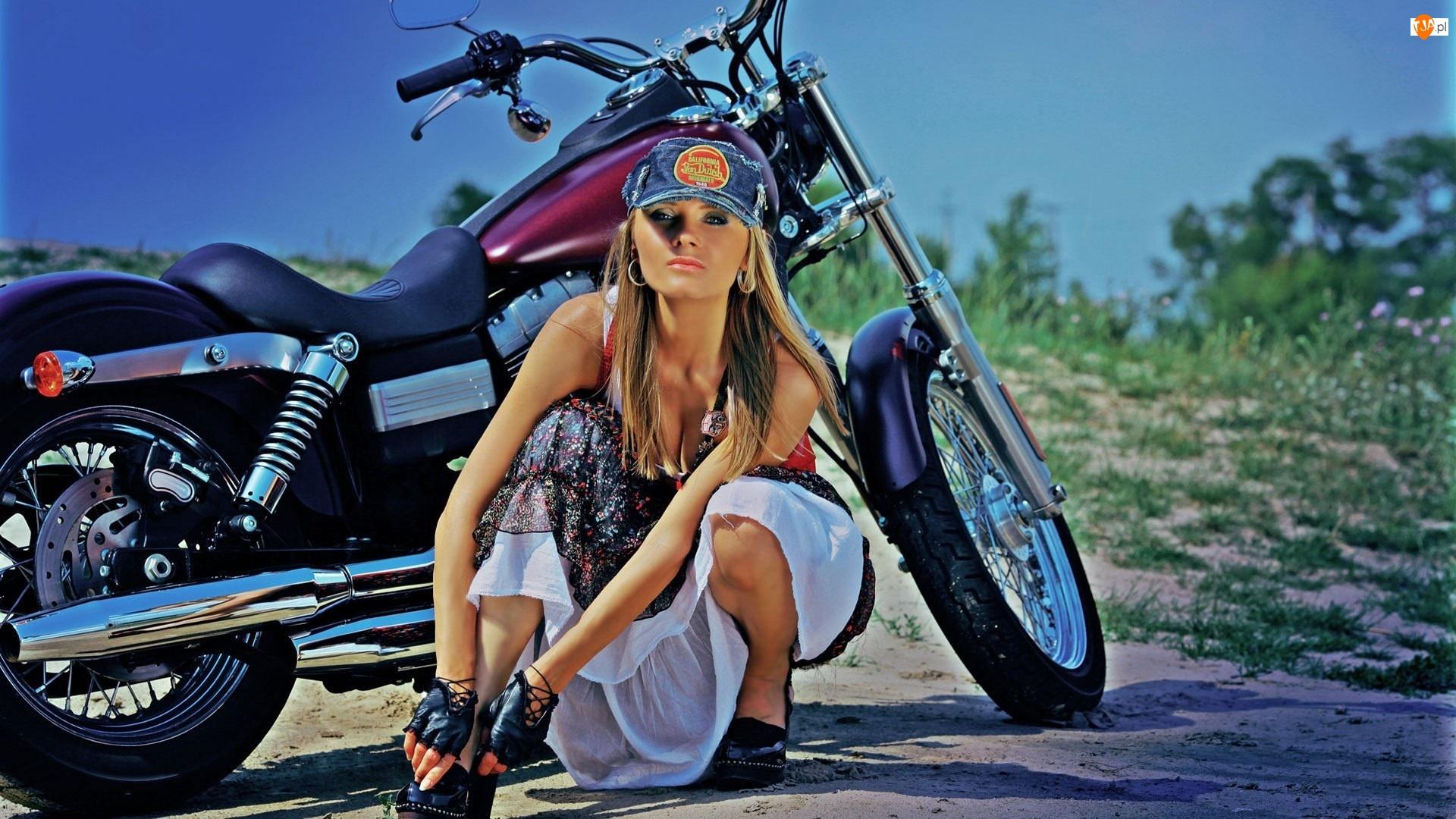Motocykl, Diana Kuprina, Droga