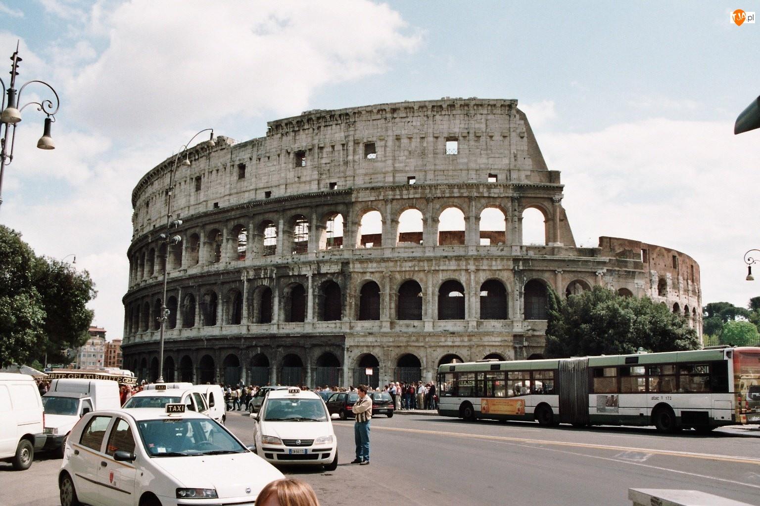 Rzym, Samochody, Koloseum, Ulica