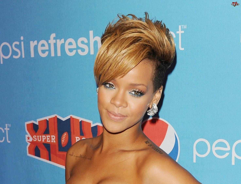 Robyn Rihanna Fenty, Piosenkarka, Amerykańska