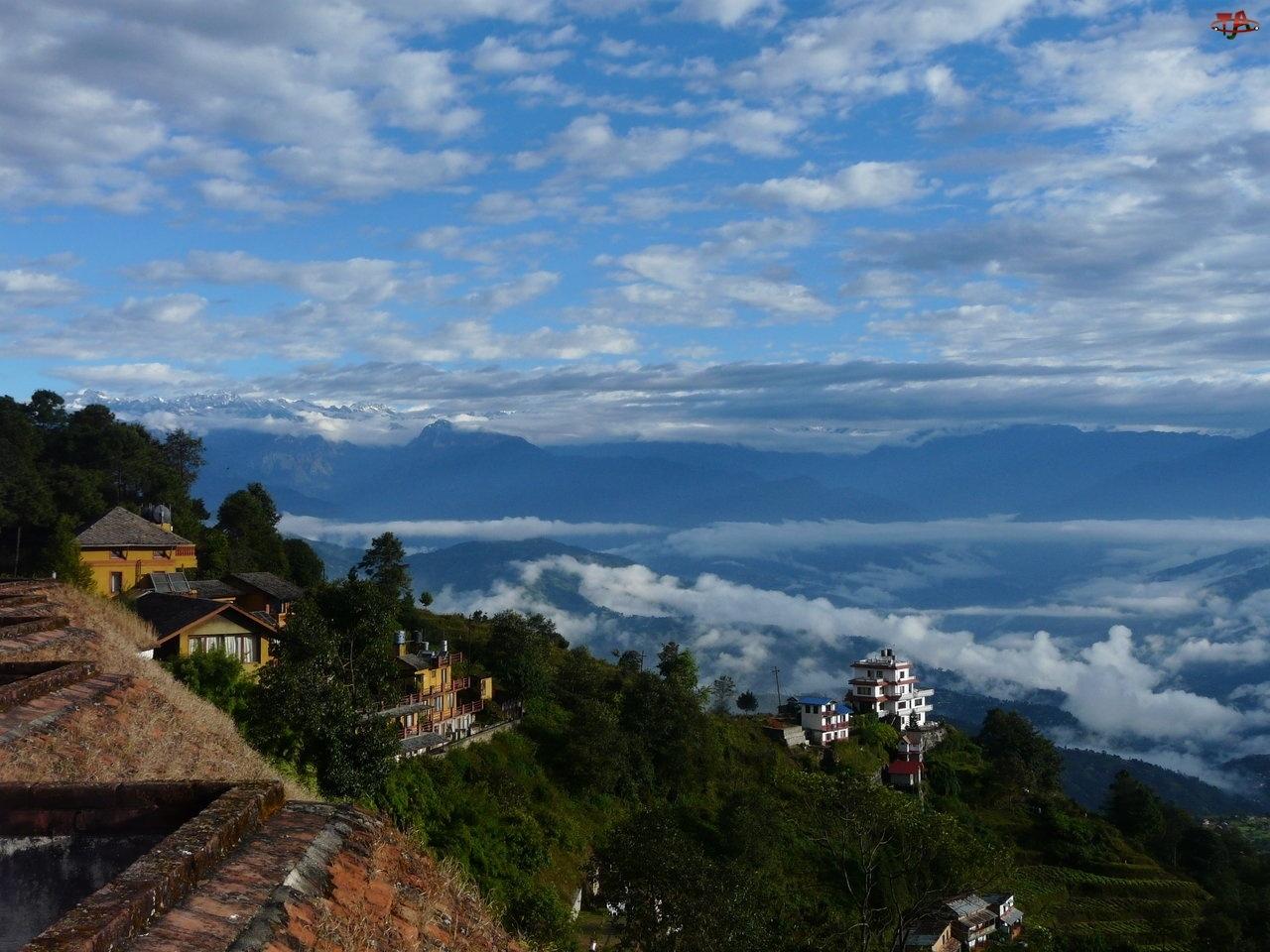 Chmury, Góry, Lasy, Domy, Niebo