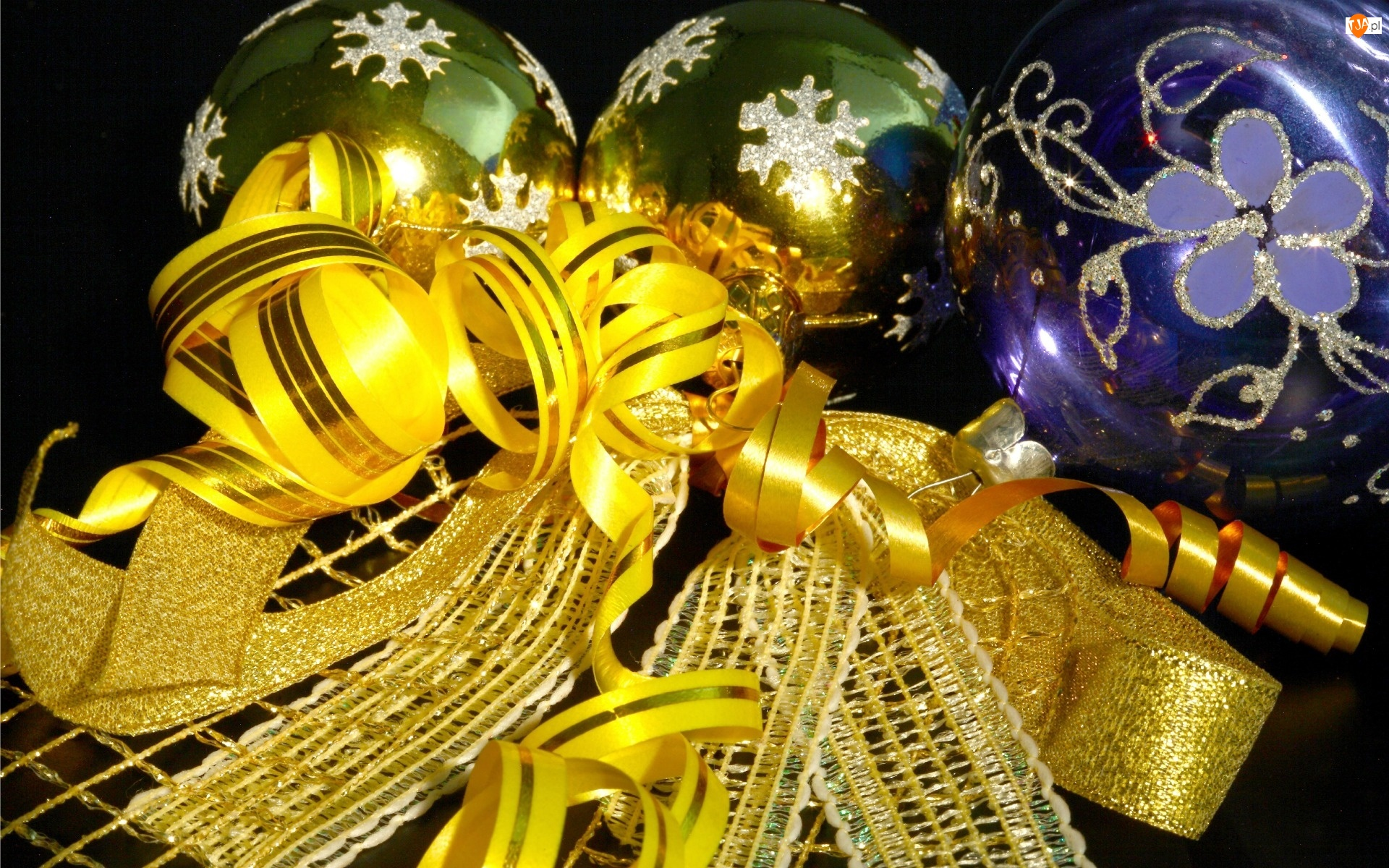 Kompozycja, Wstążki, Świąteczna, Bombki