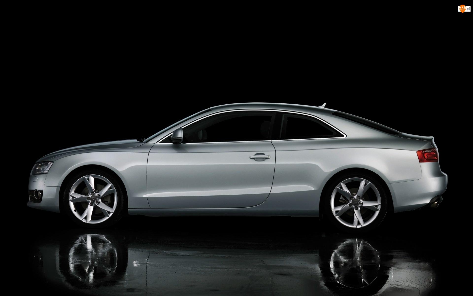 Audi A5, Lewy, Bok