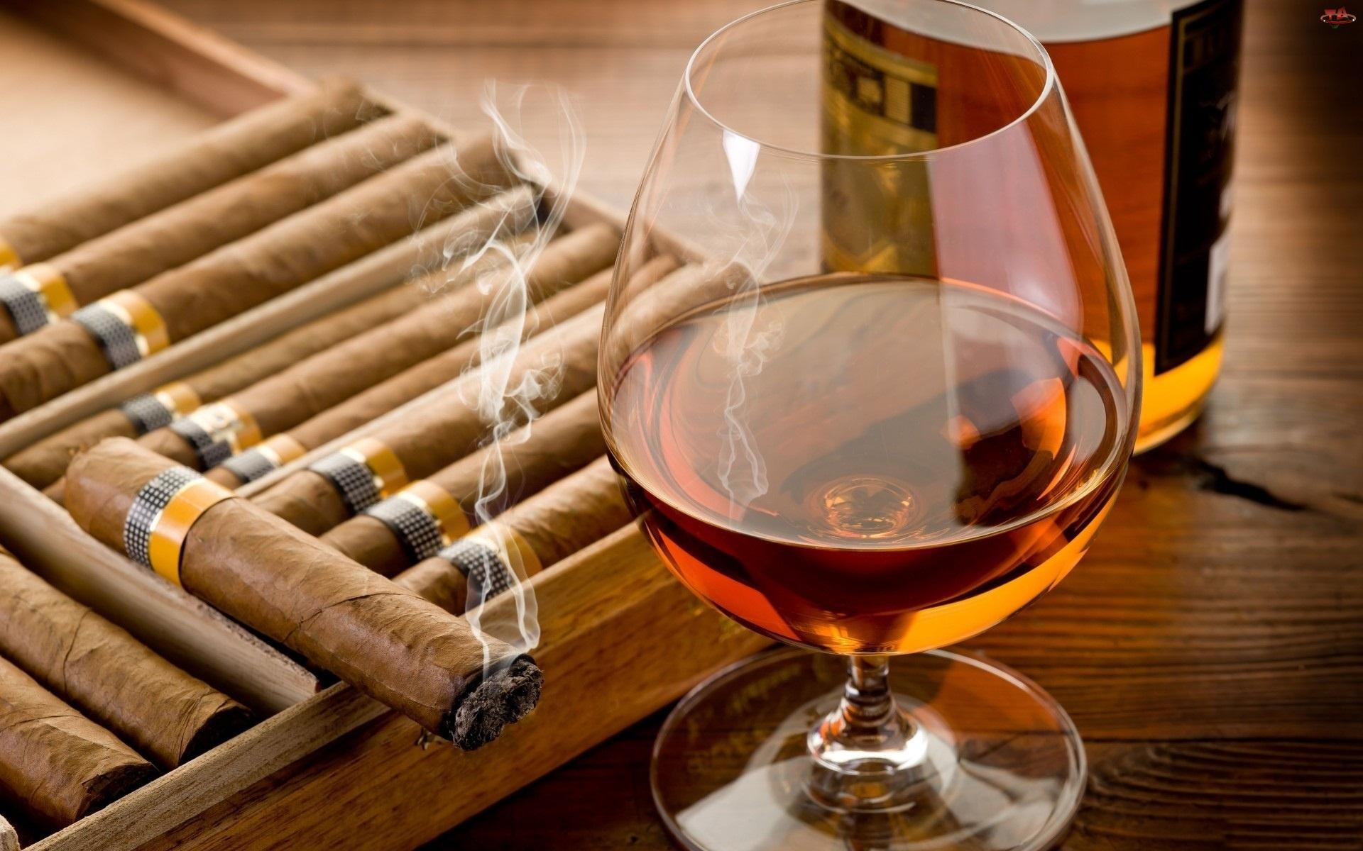 Cygara, Kieliszek, Whisky
