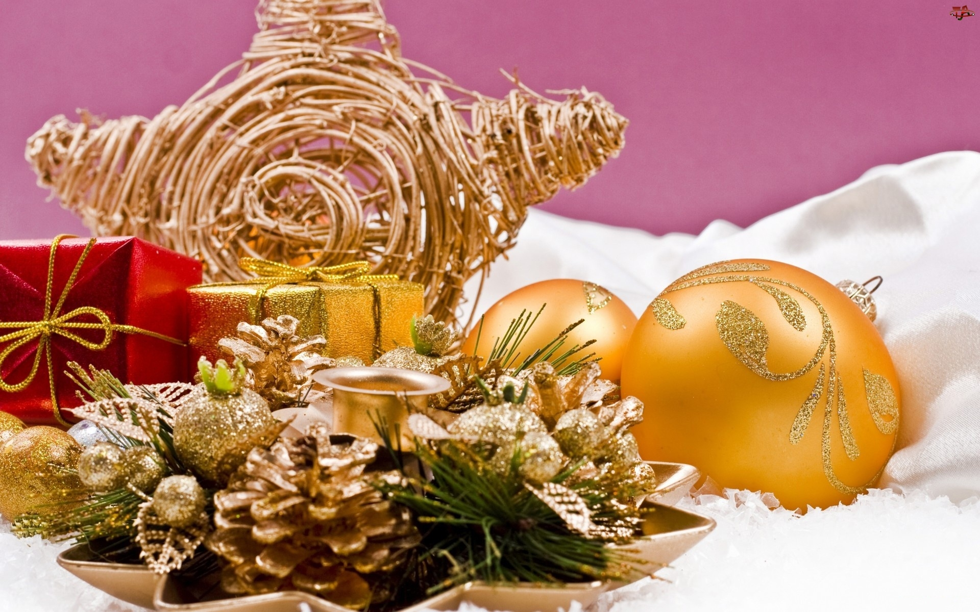 Boże Narodzenie, Szyszki, Kompozycja, Bombki