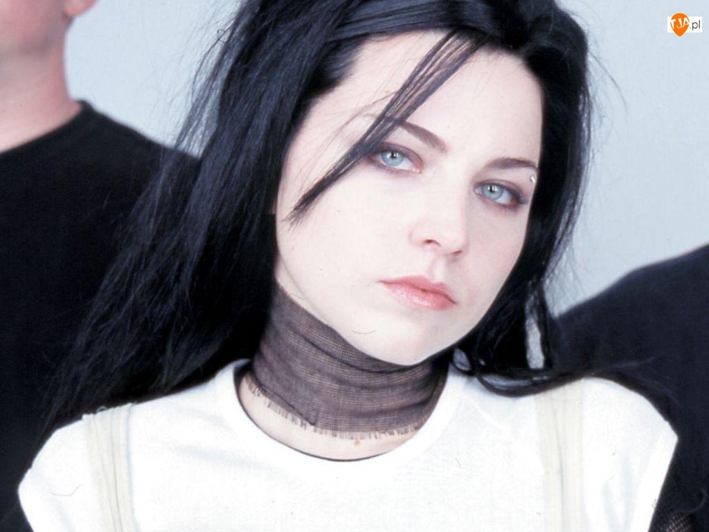 niebieskie oczy, Amy Lee, czarne włosy