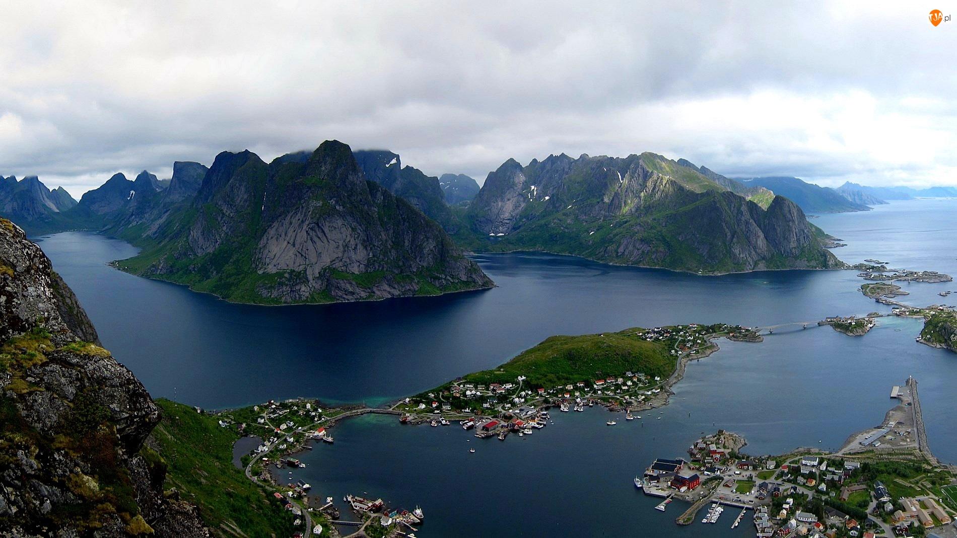 Norwegia, Góry, Lofoty, Morze