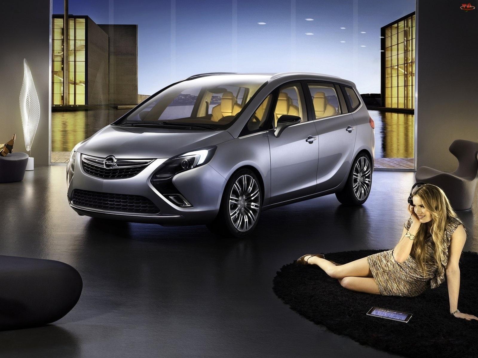Pomieszczenie, Opel Zafira III, Kobieta