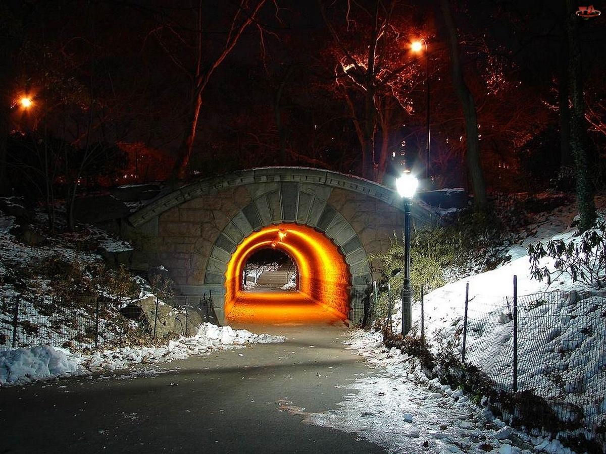 Zima, Światło, Droga, Tunel