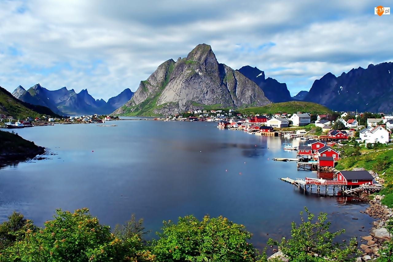 Jezioro, Norwegia, Wioska Reine, Lofoty, Góry