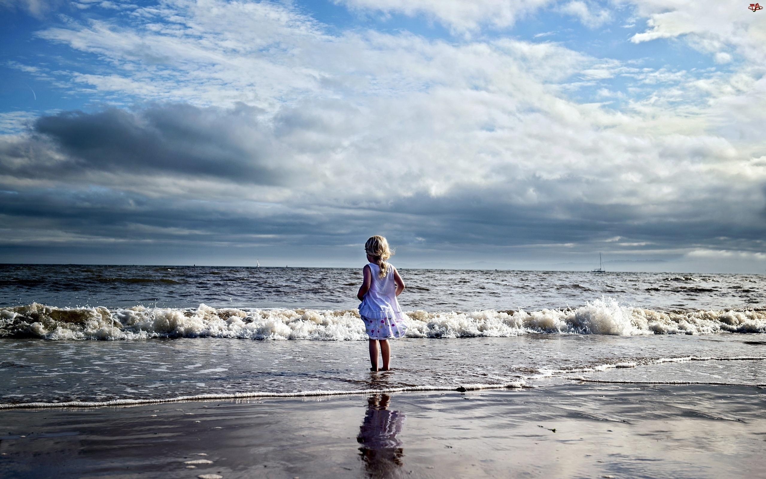 Dziewczynka, Chmury, Morze, Plaża