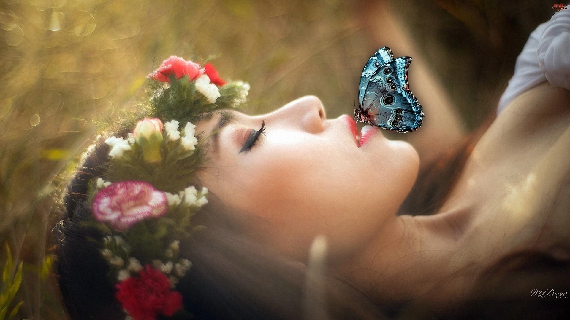 Motyl, Kobieta, Wianek