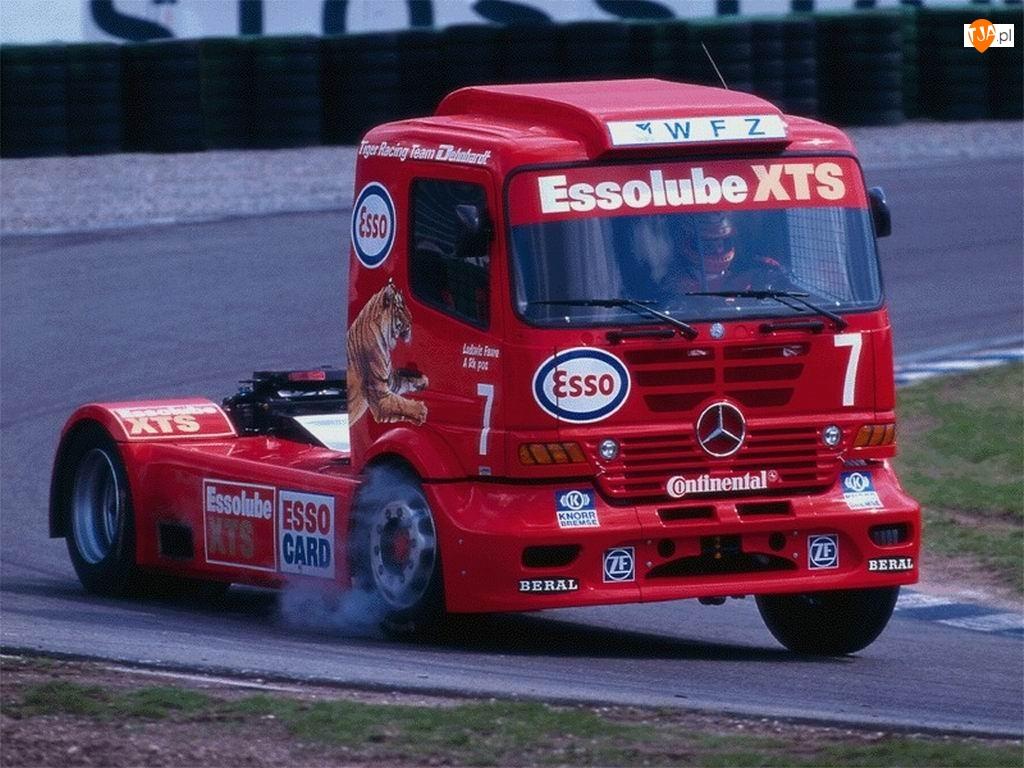 Mercedes, Wyścigi, Ciężarówek