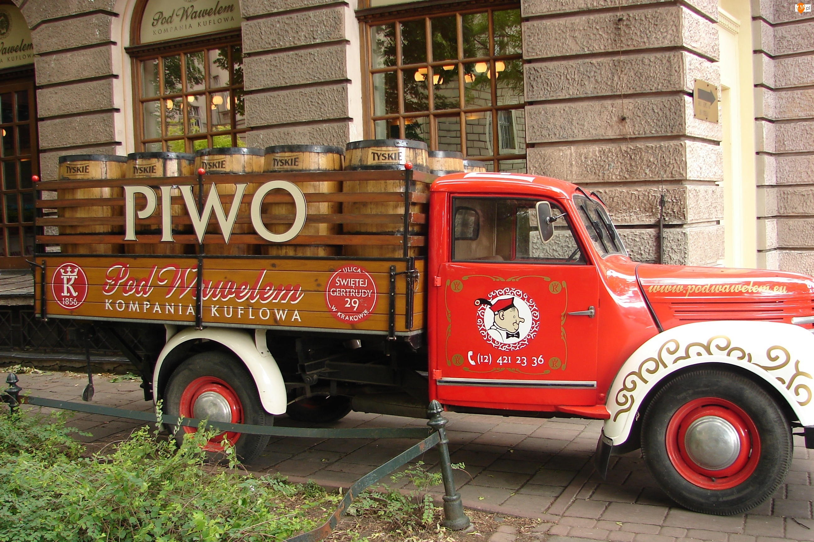 Ciężarówka, Piwo, Dostawczak, Beczki