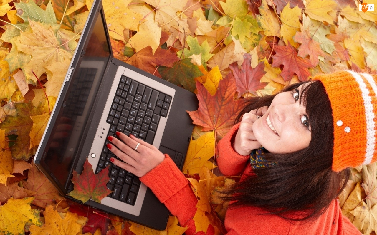 Jesień, Laptop, Liście, Kobieta