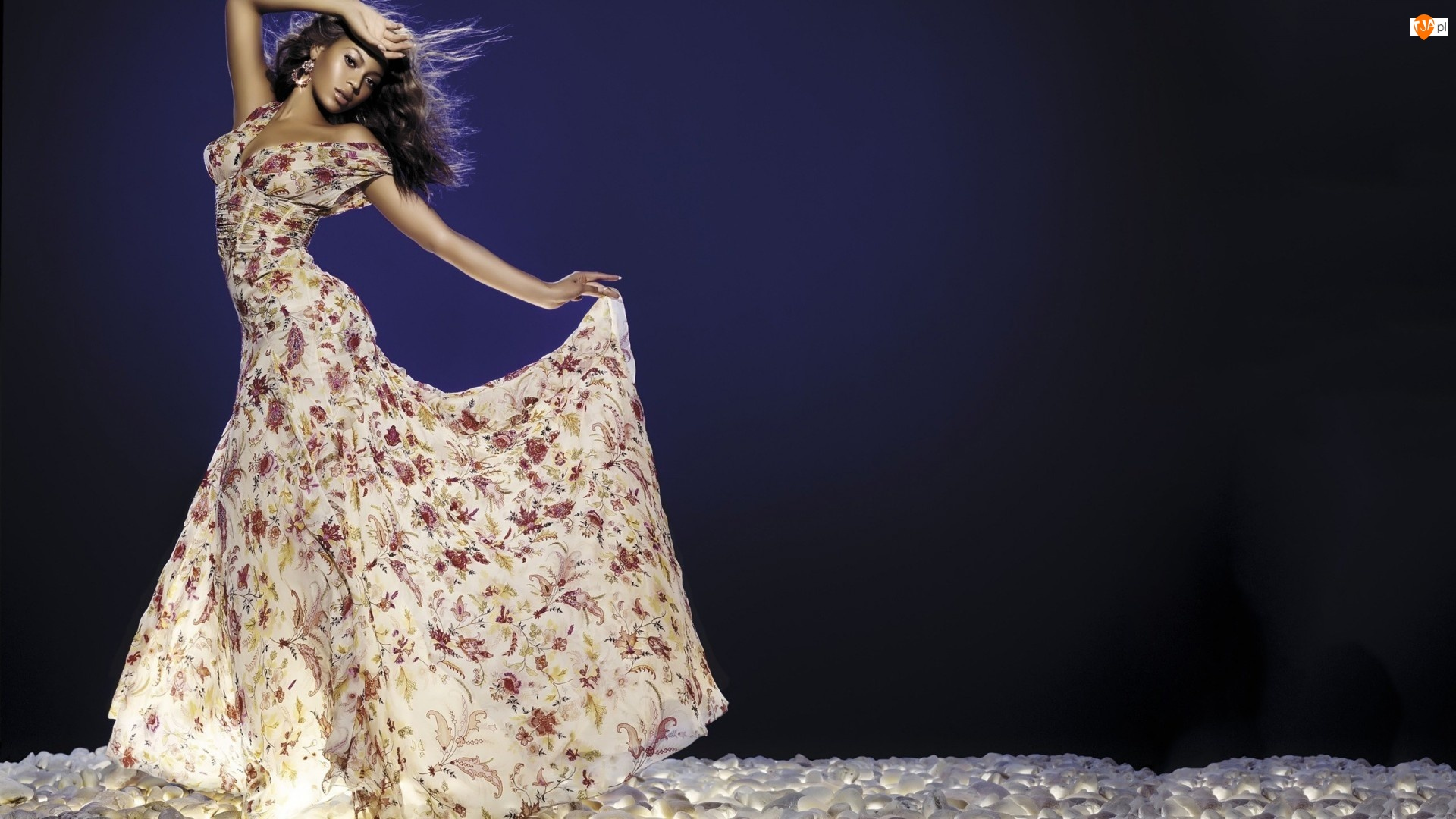 Sukienka, Beyonce Knowles, Kwiecista