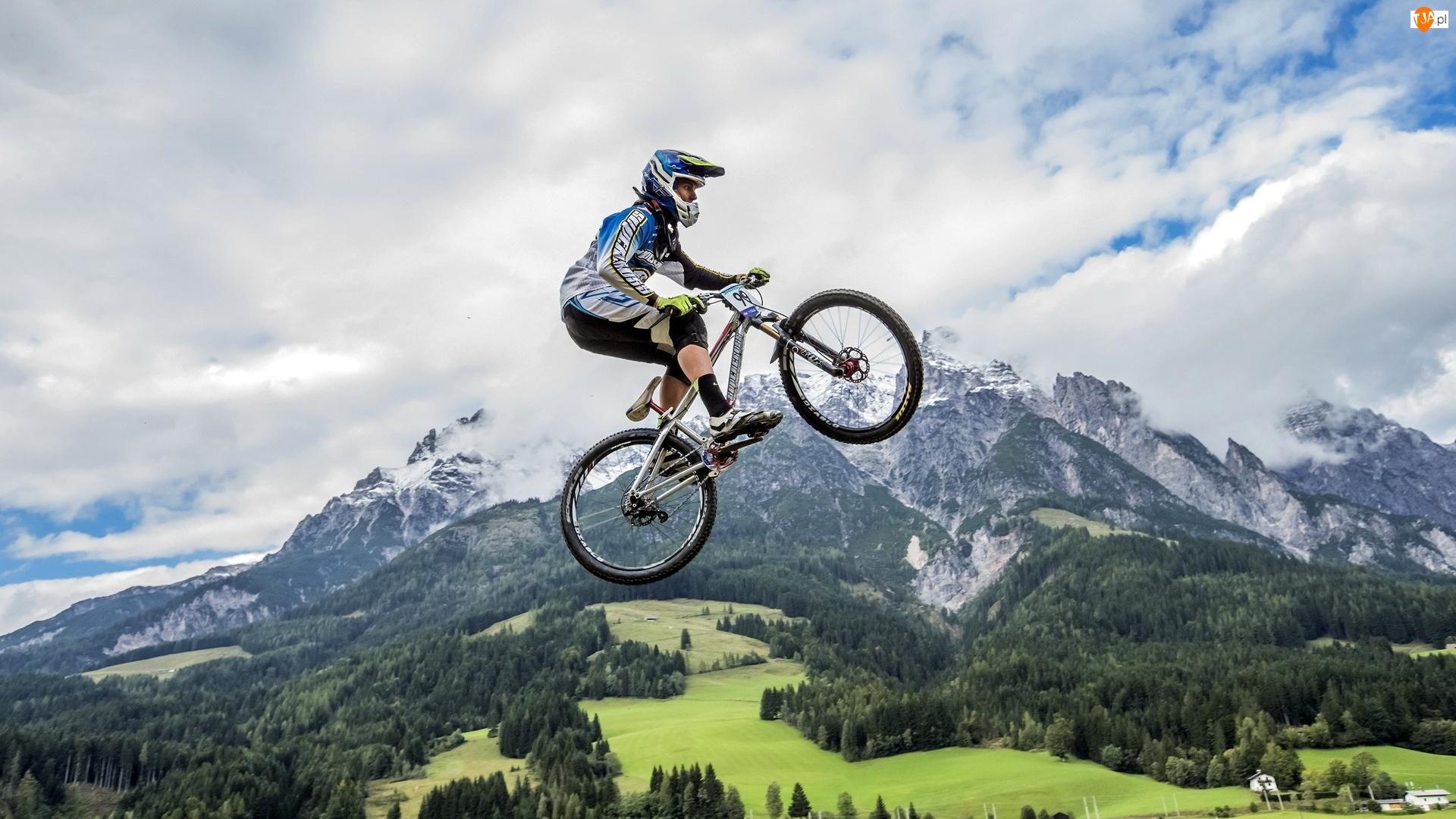 Rowerzysta, Chmury, Góry, Lasy