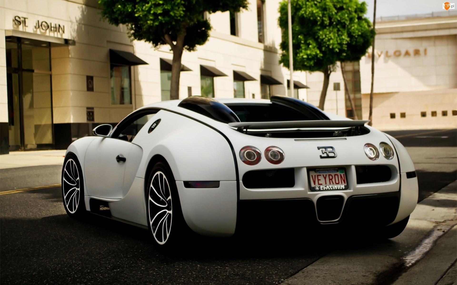 Parking, Bugatti, Ulica