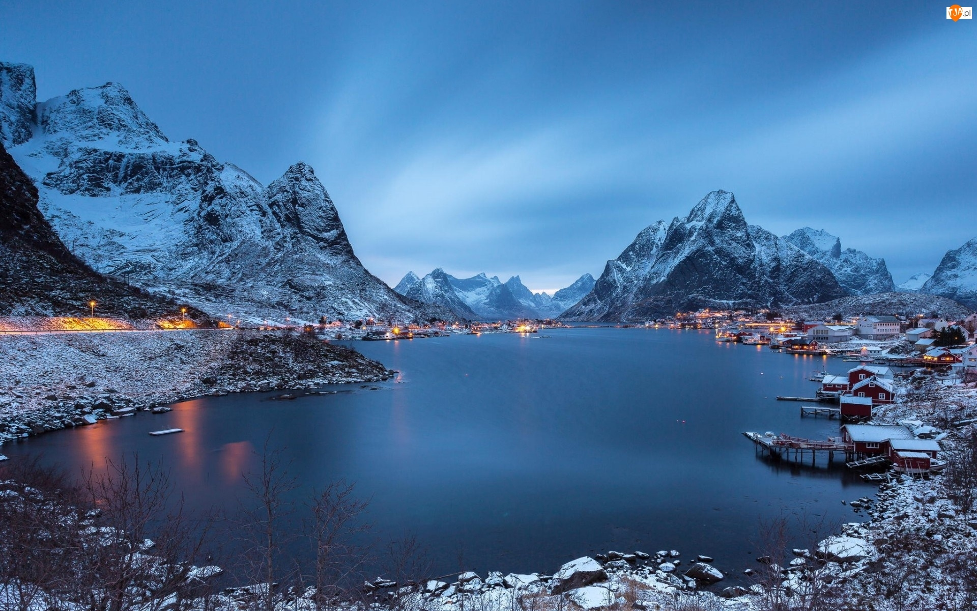Domy, Norwegia, Jezioro, Zima, Góry, Osada