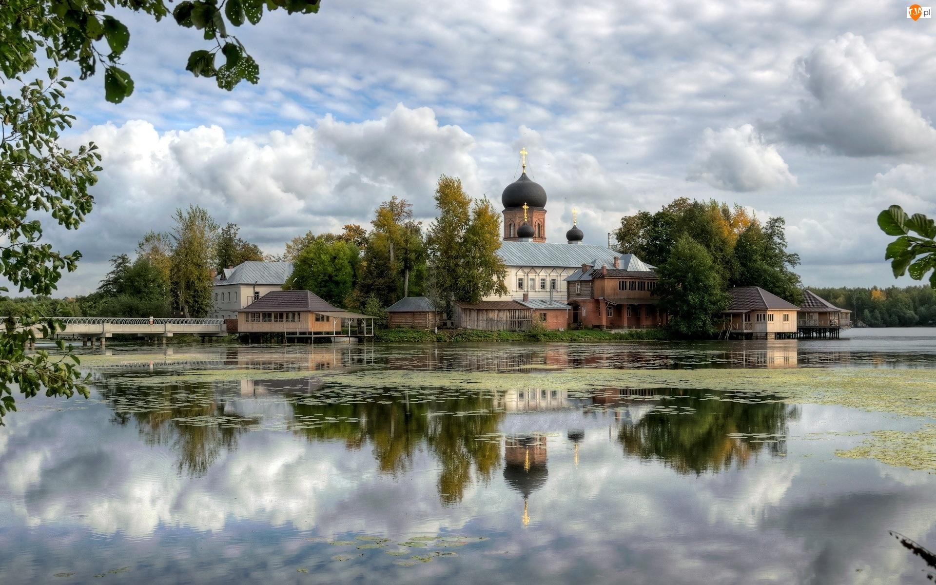 Cerkiew, Odbicie, Chmury, Jezioro