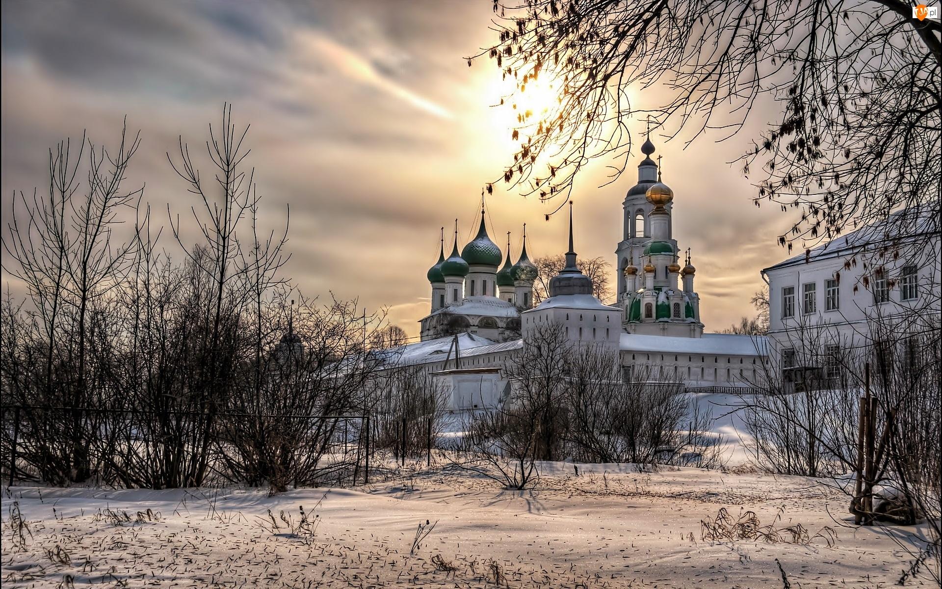Zima, Cerkiew, Klasztor