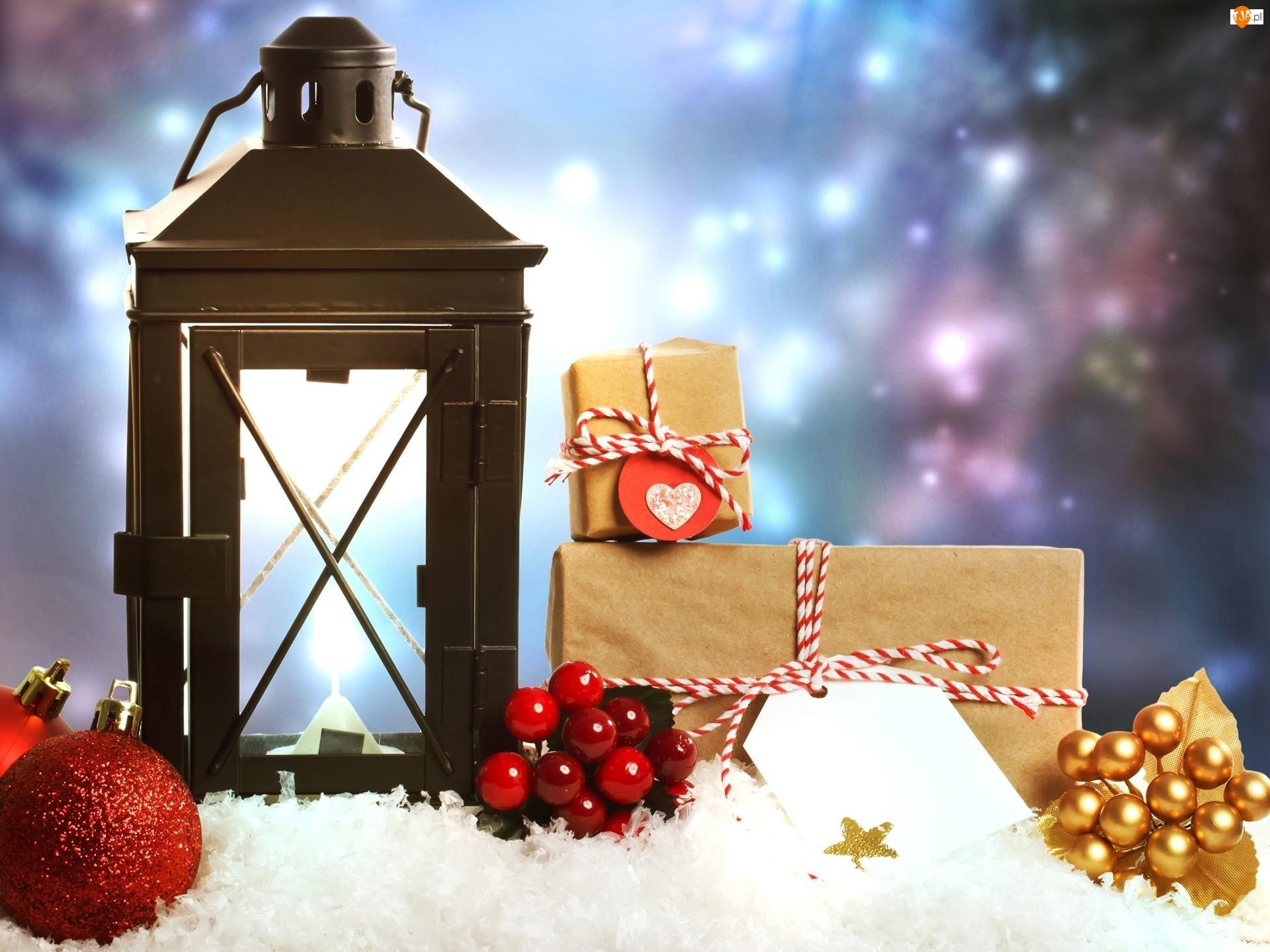 Prezenty, Kompozycja, Bombki, Lampion, Śnieg, Boże Narodzenie