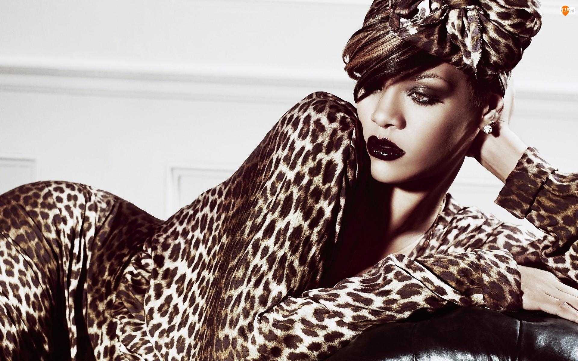 Makijaż, Robyn Rihanna Fenty, Rihanna