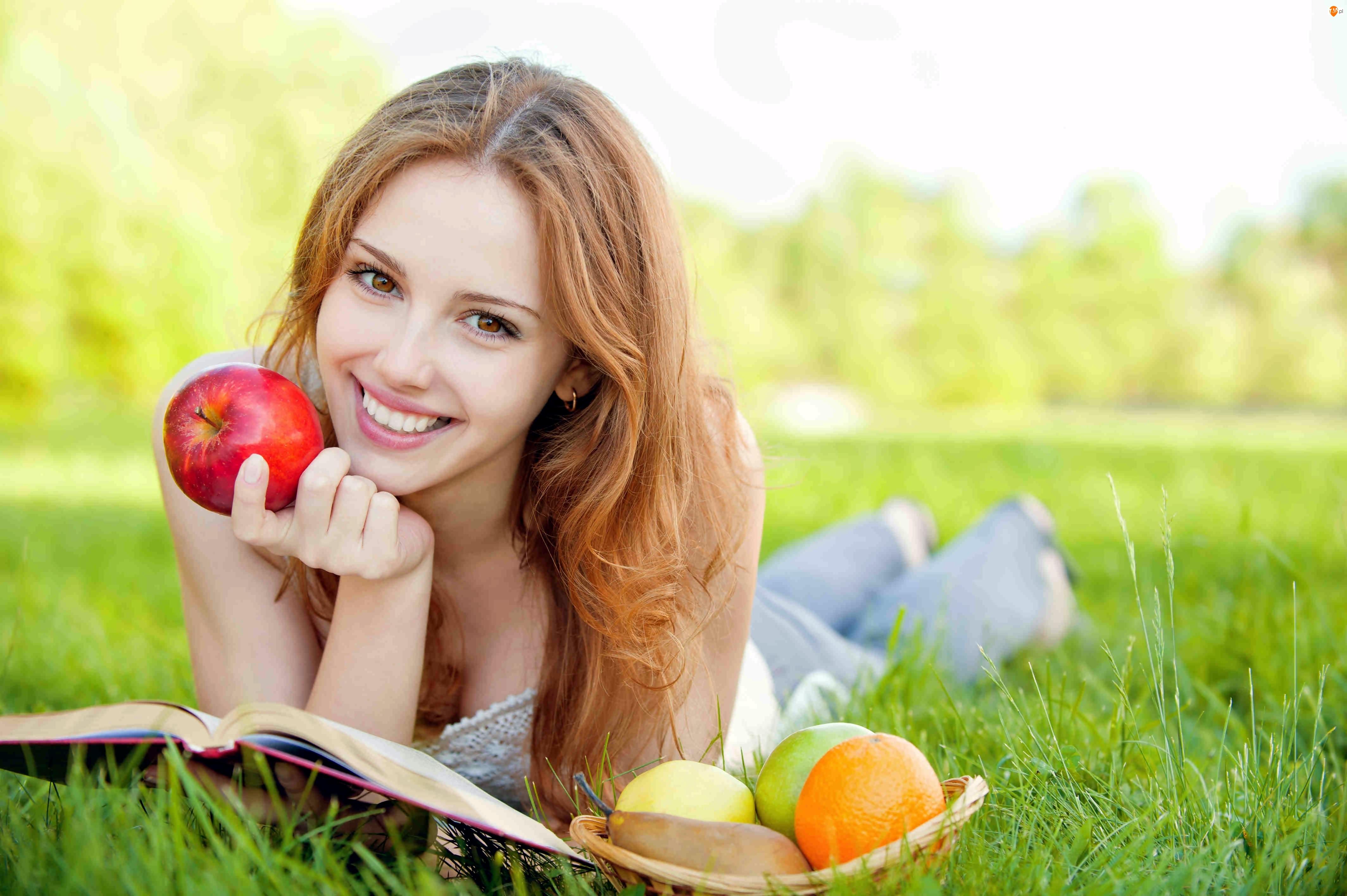 Książką, Trawie, Dziewczyna, Owoce, Z, Na
