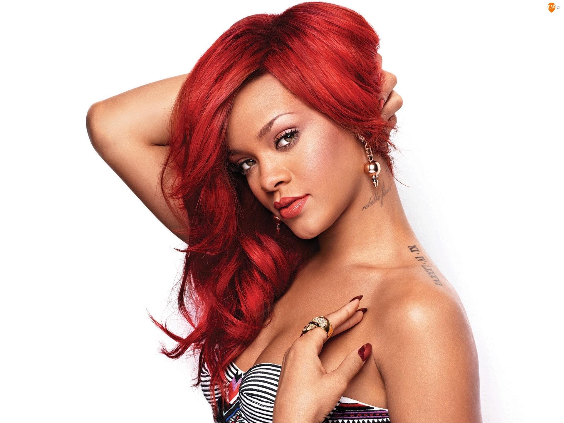 Biżuteria, Rihanna, Tatuaże