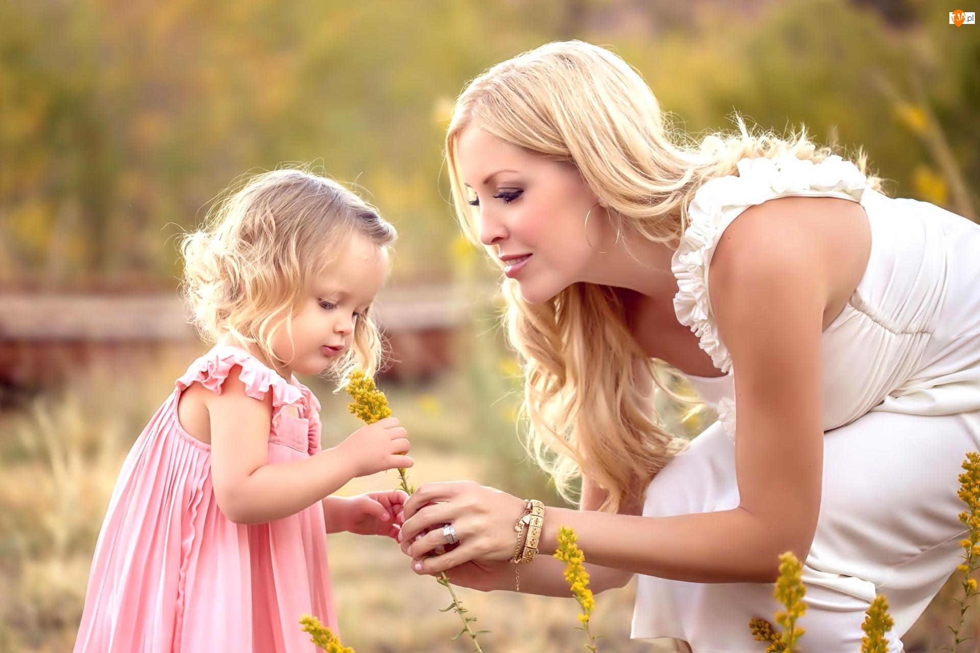 Dziewczynka, Kwiaty, Kobieta, Żółte