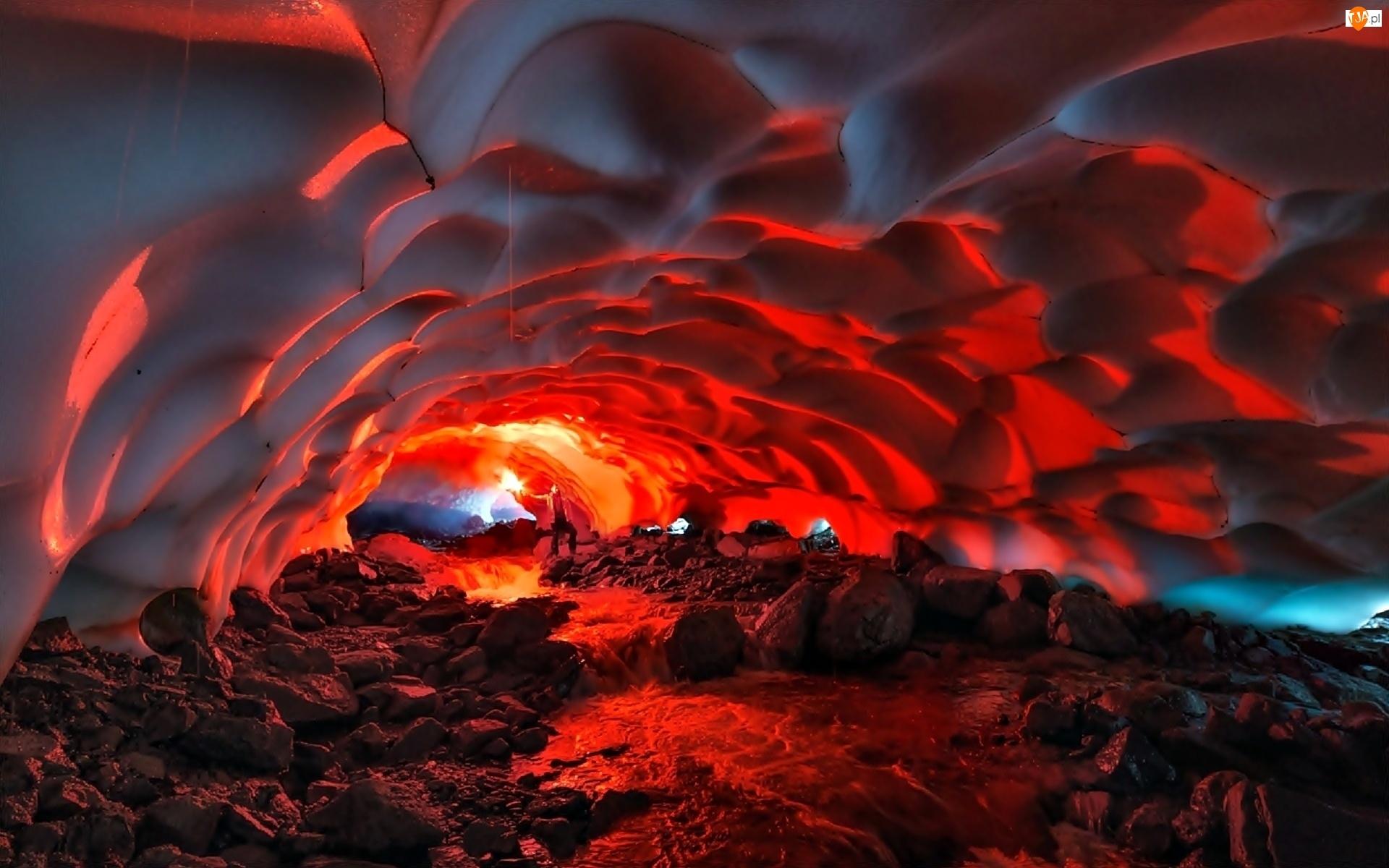 Wulkan Mutnovsky, Kamczatka, Tunel, Śnieżny