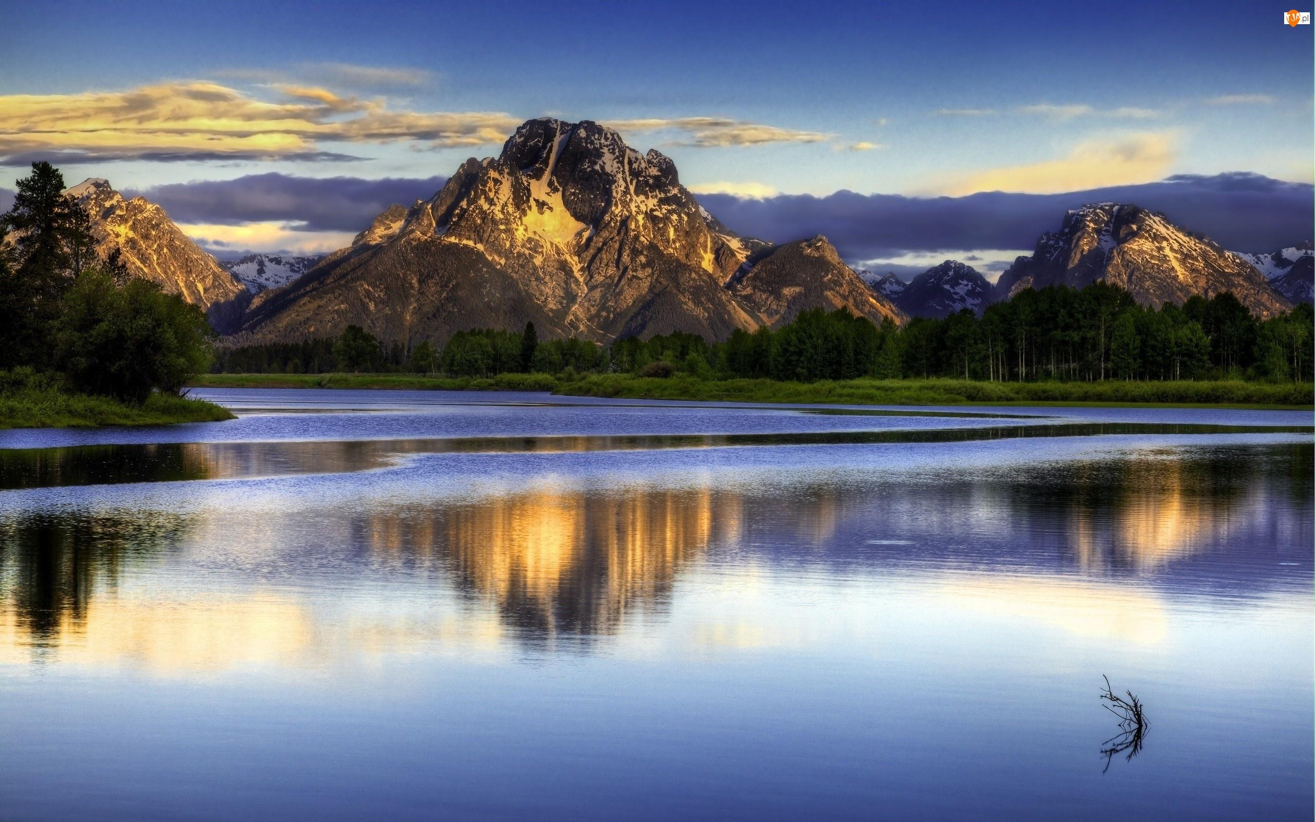 Las, Rzeka, Góry