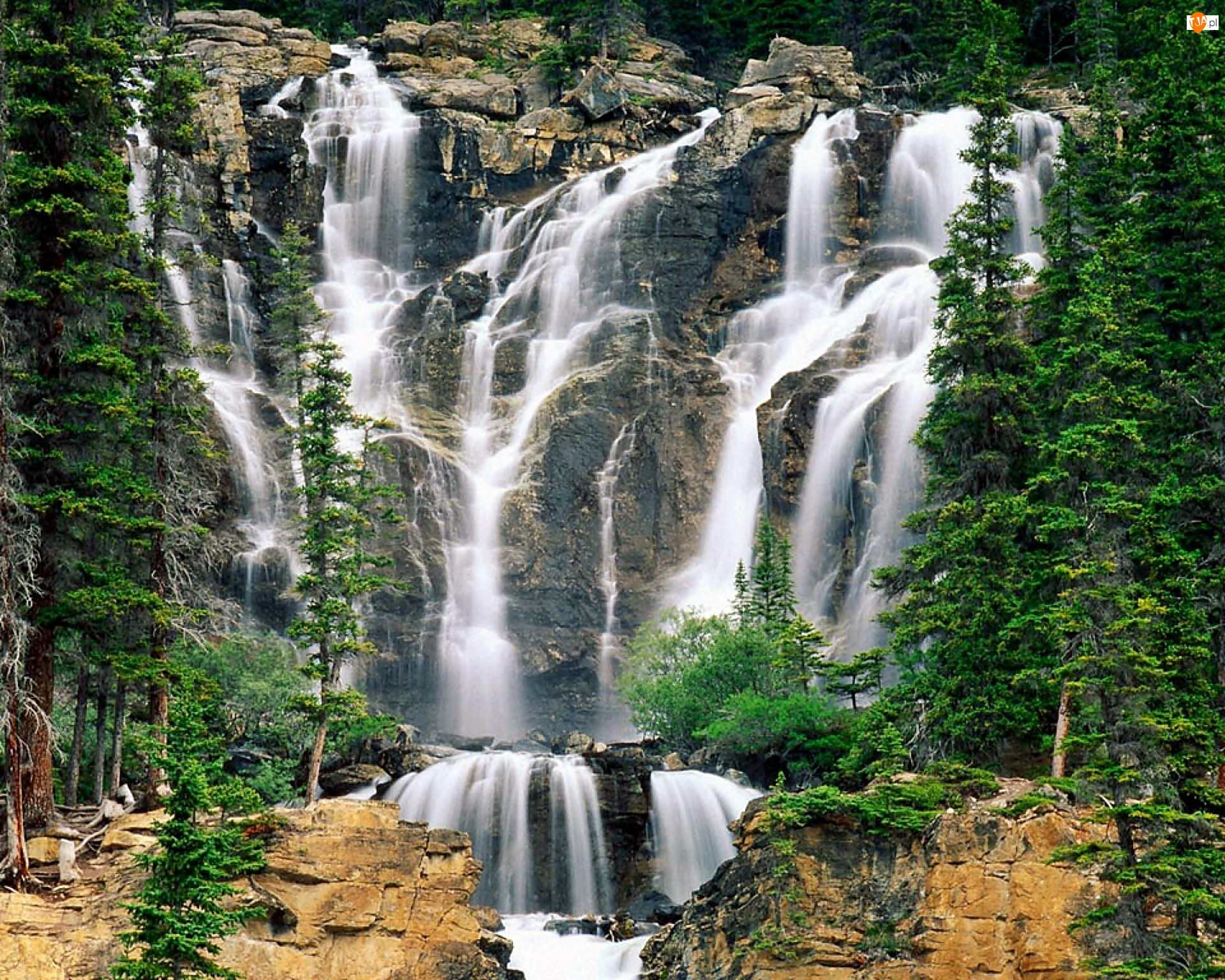 Kanada, Wodospad Tangle Creek Falls, Park Narodowy Jasper, Prowincja Alberta