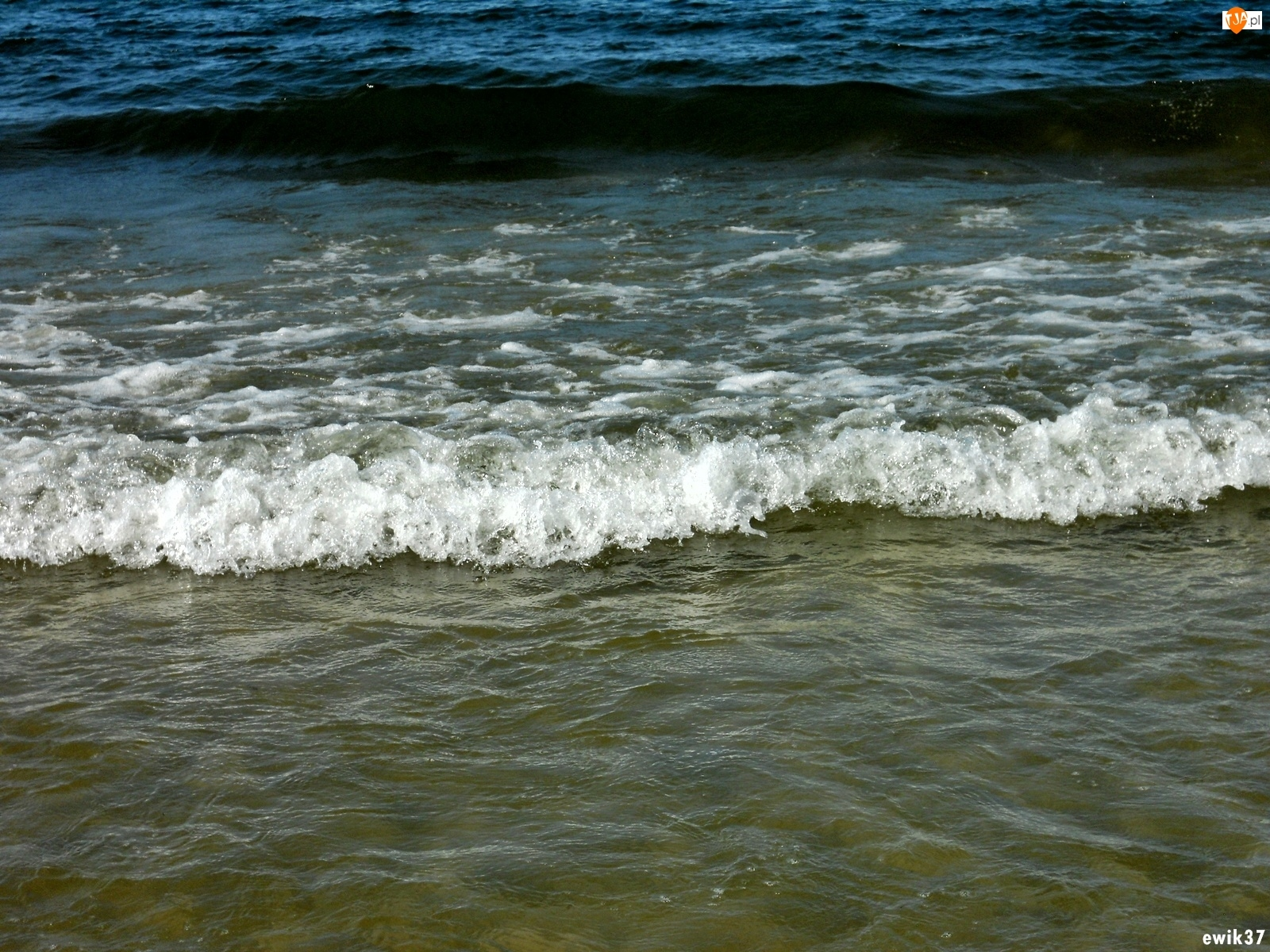 Fala, Morze, Spieniona