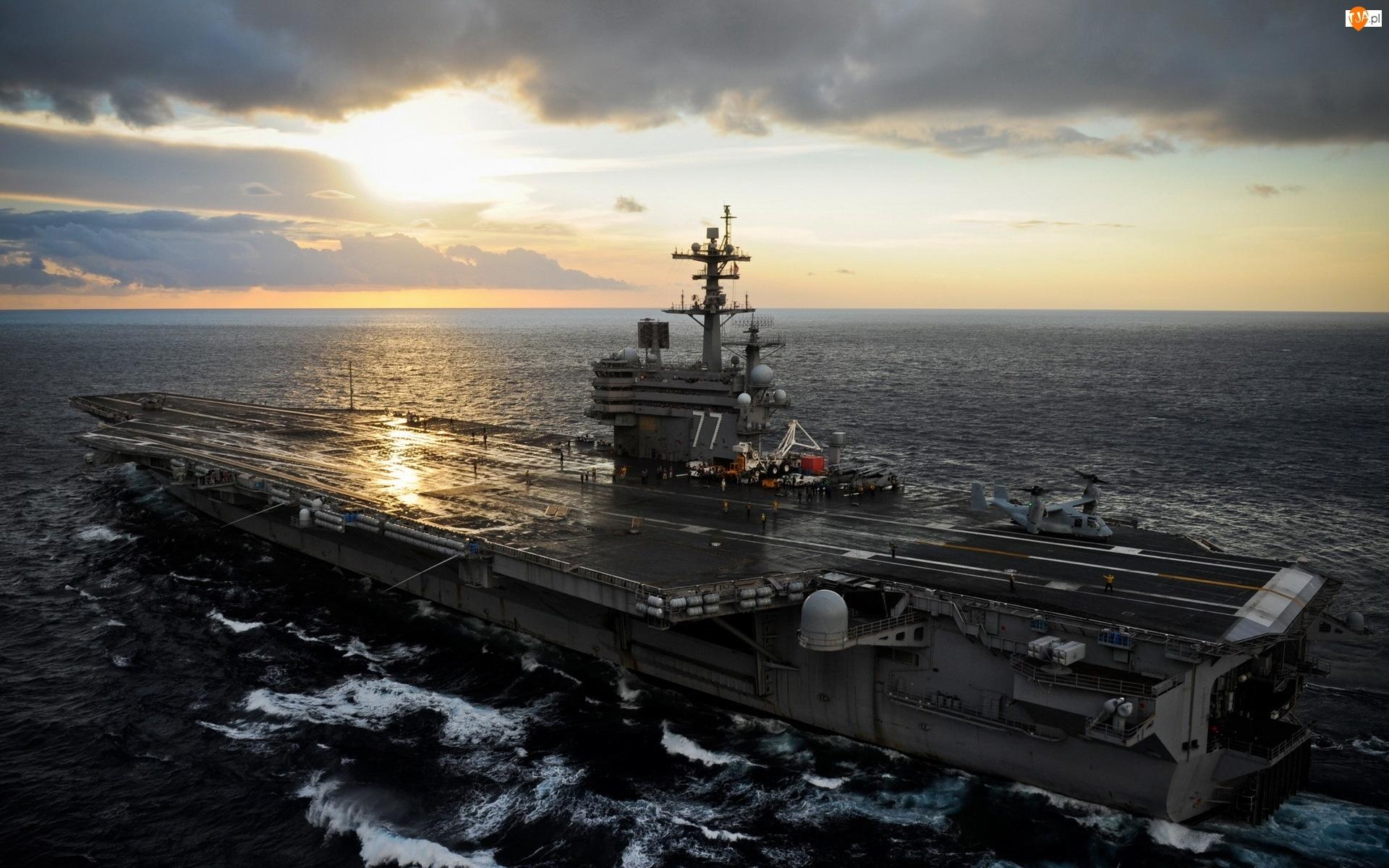 Zachód Słońca, Lotniskowiec, USS George H. W. Bush