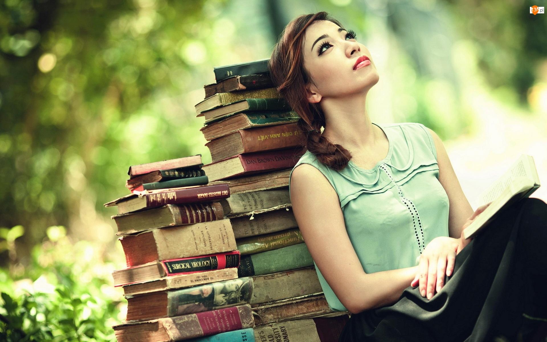 Książki, Zamyślona, Kobieta