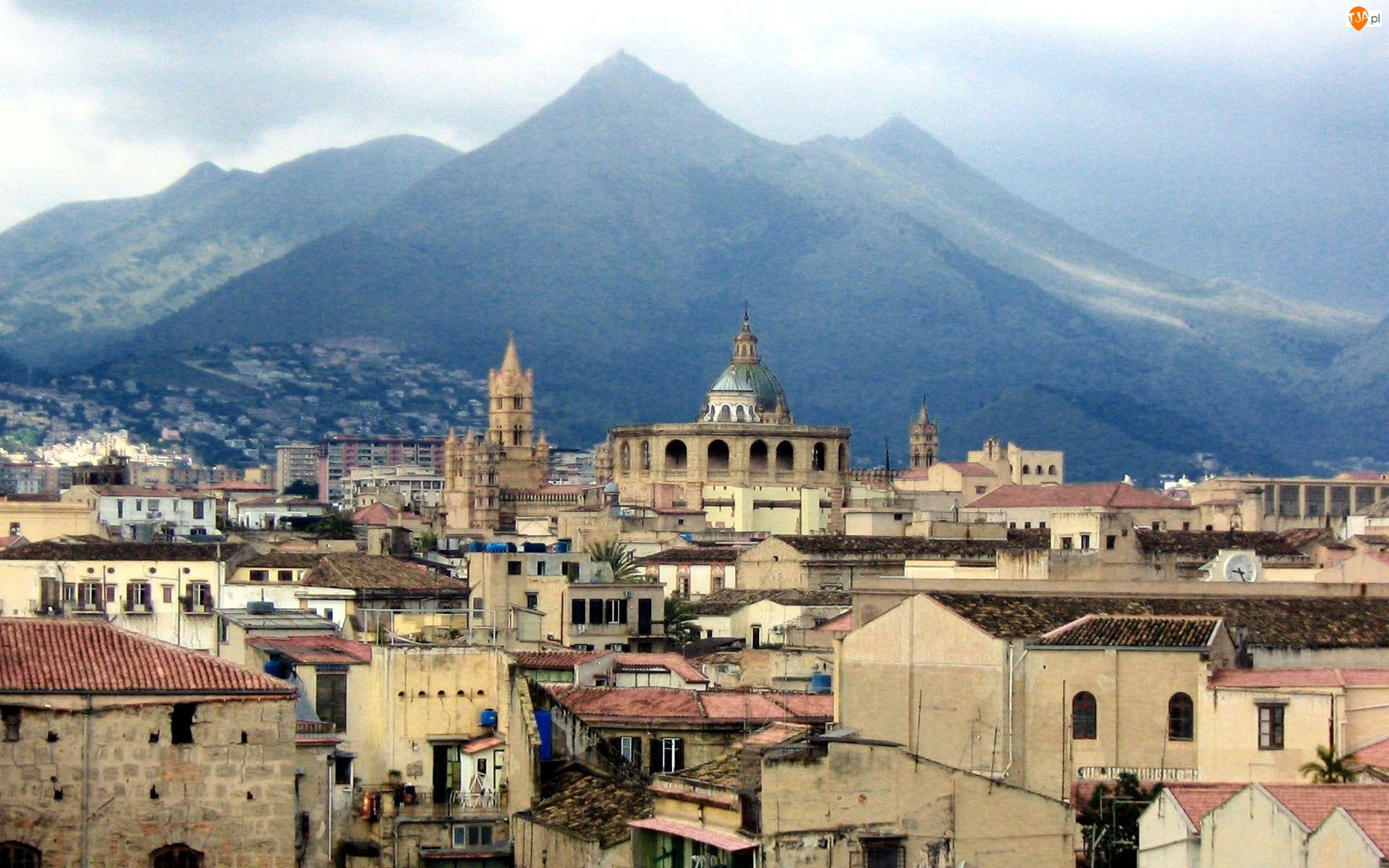 Góry, Włochy, Palermo, Miasto