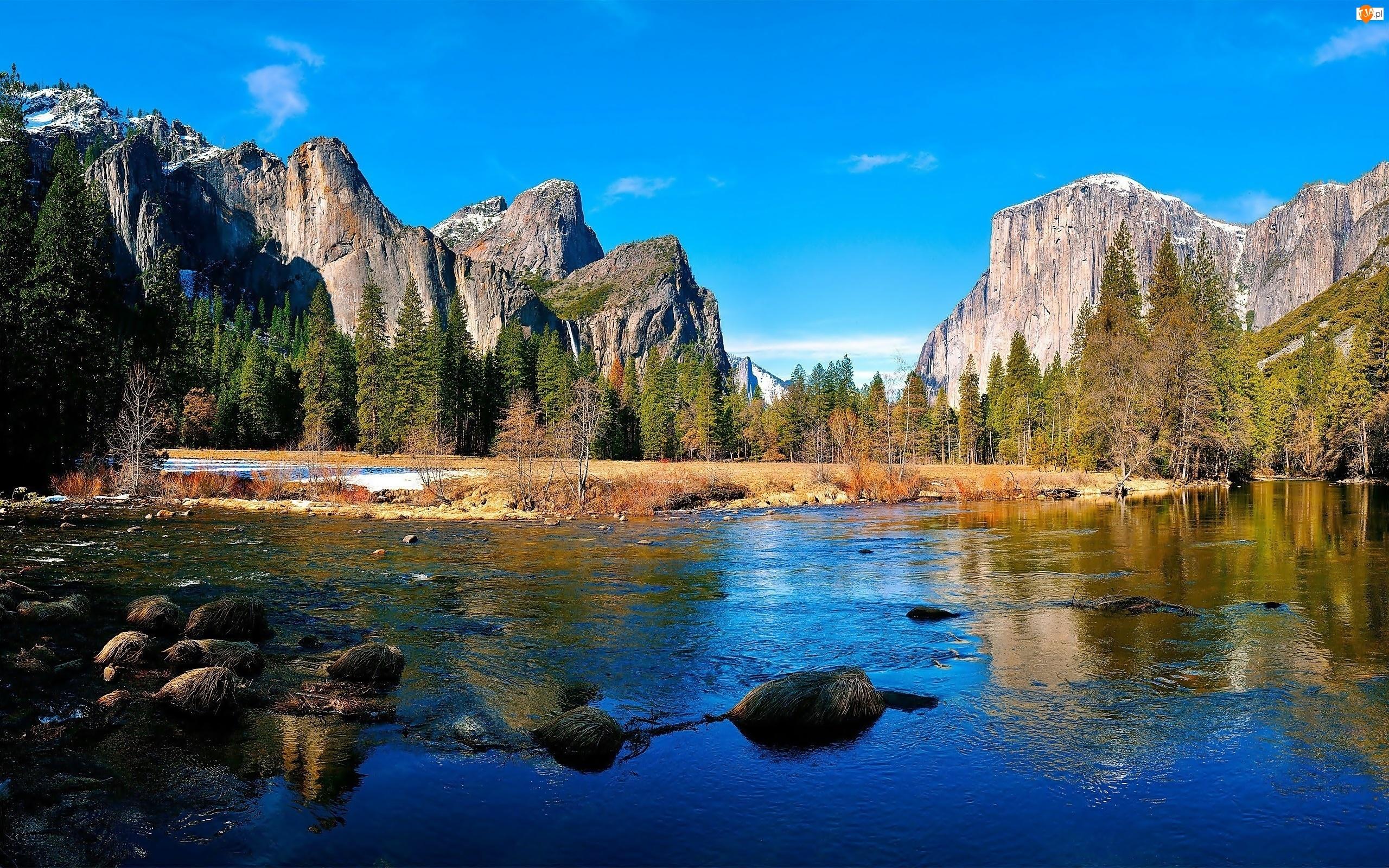 Stan Kalifornia, Park Narodowy Yosemite, Rzeka, Stany Zjednoczone, Chmury, Lasy, Góry