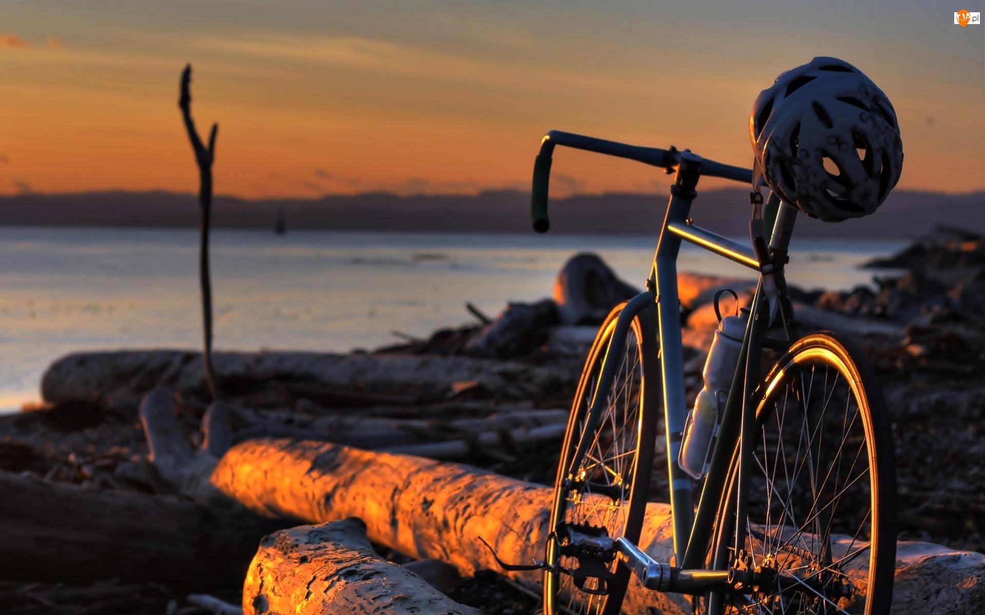 Wybrzeże, Jezioro, Rower, Drzewo, Kask, Zachód Slońca