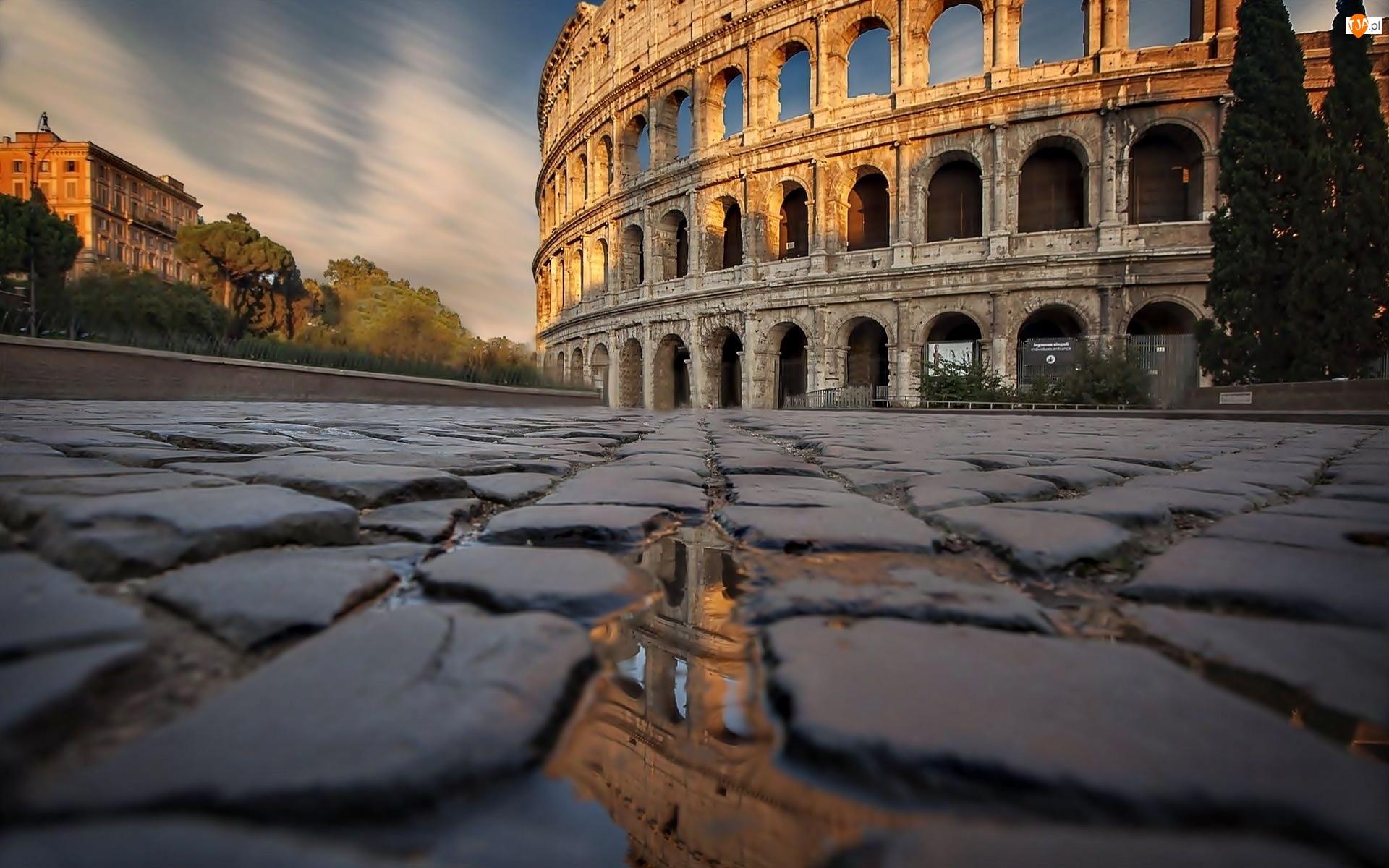 Bruk, Rzym, Koloseum