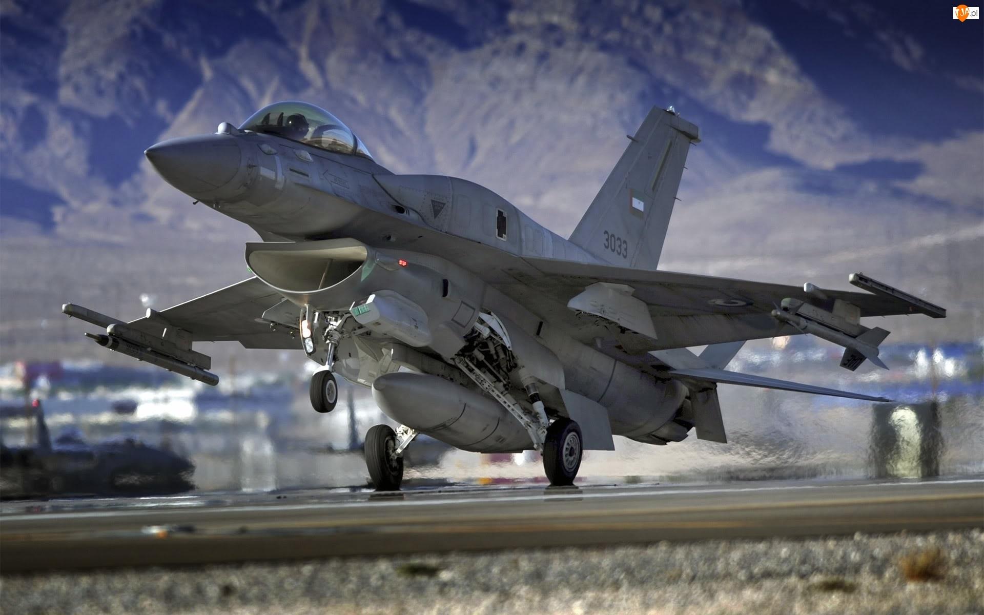 Samolot, F-16