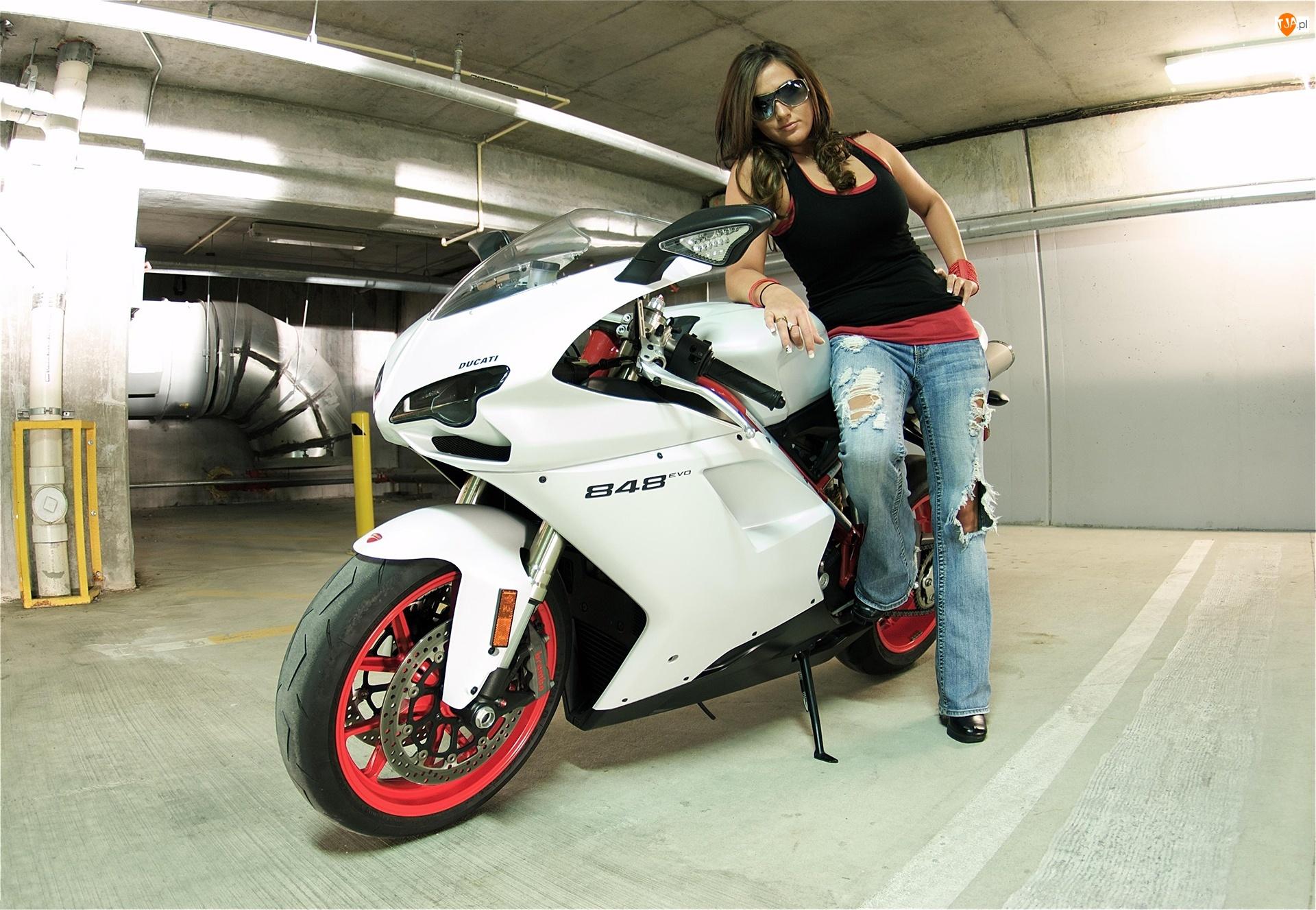 Okulary, Motocykl Ducati 848, Kobieta