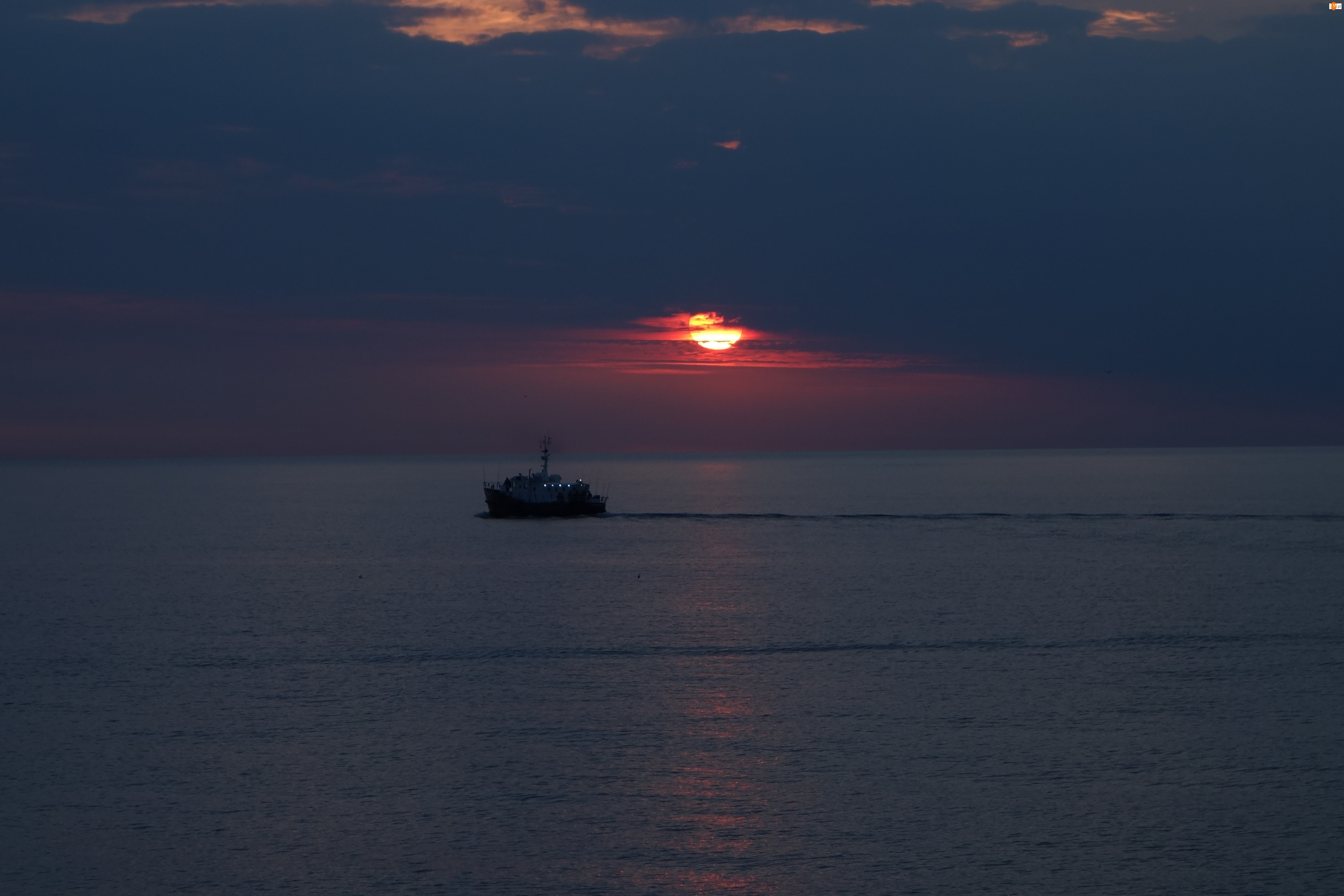 wędkowanie z kutra, Wschód, morze