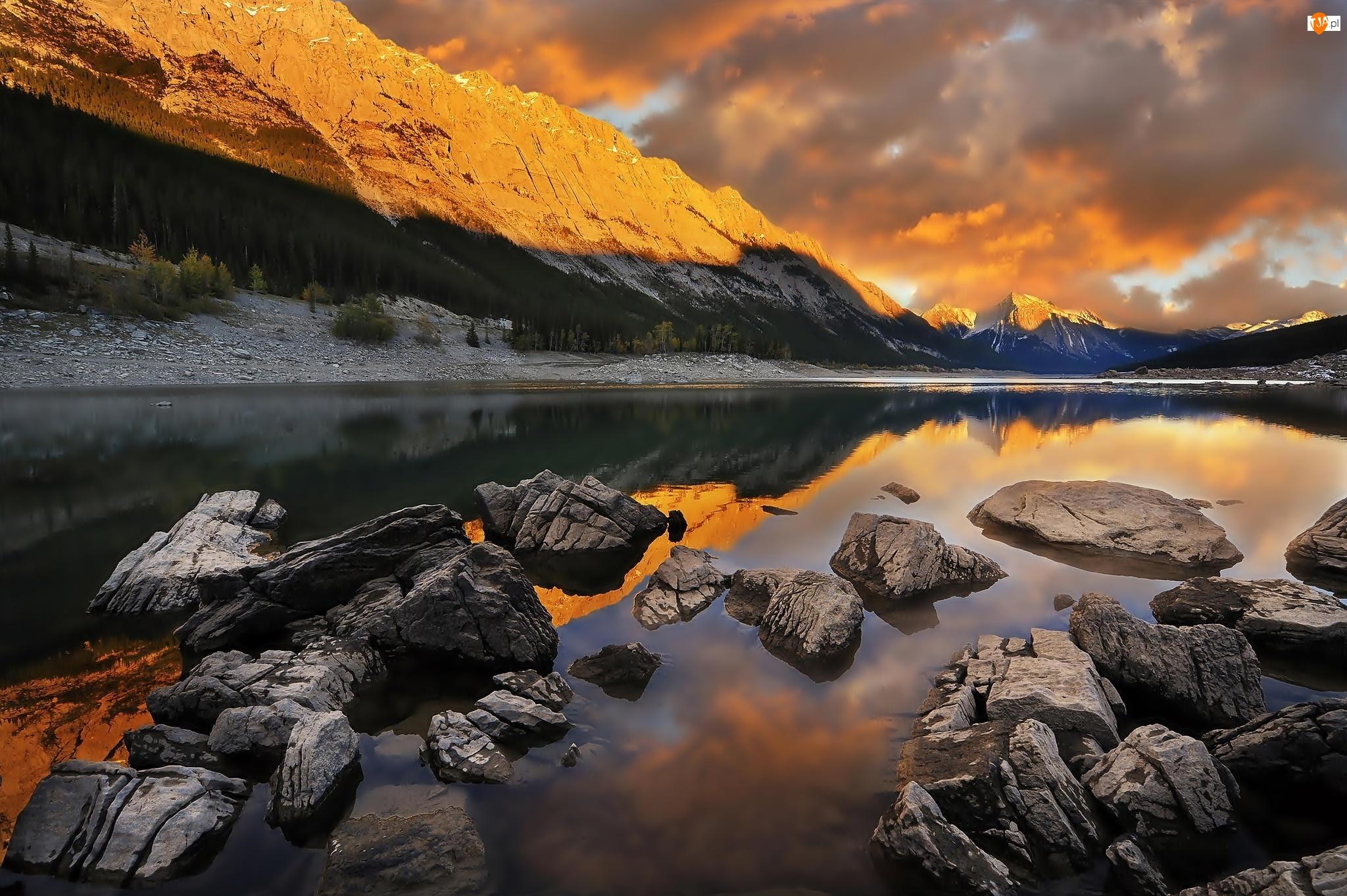 Góry, Zachód Słońca, Rzeka, Kamienie